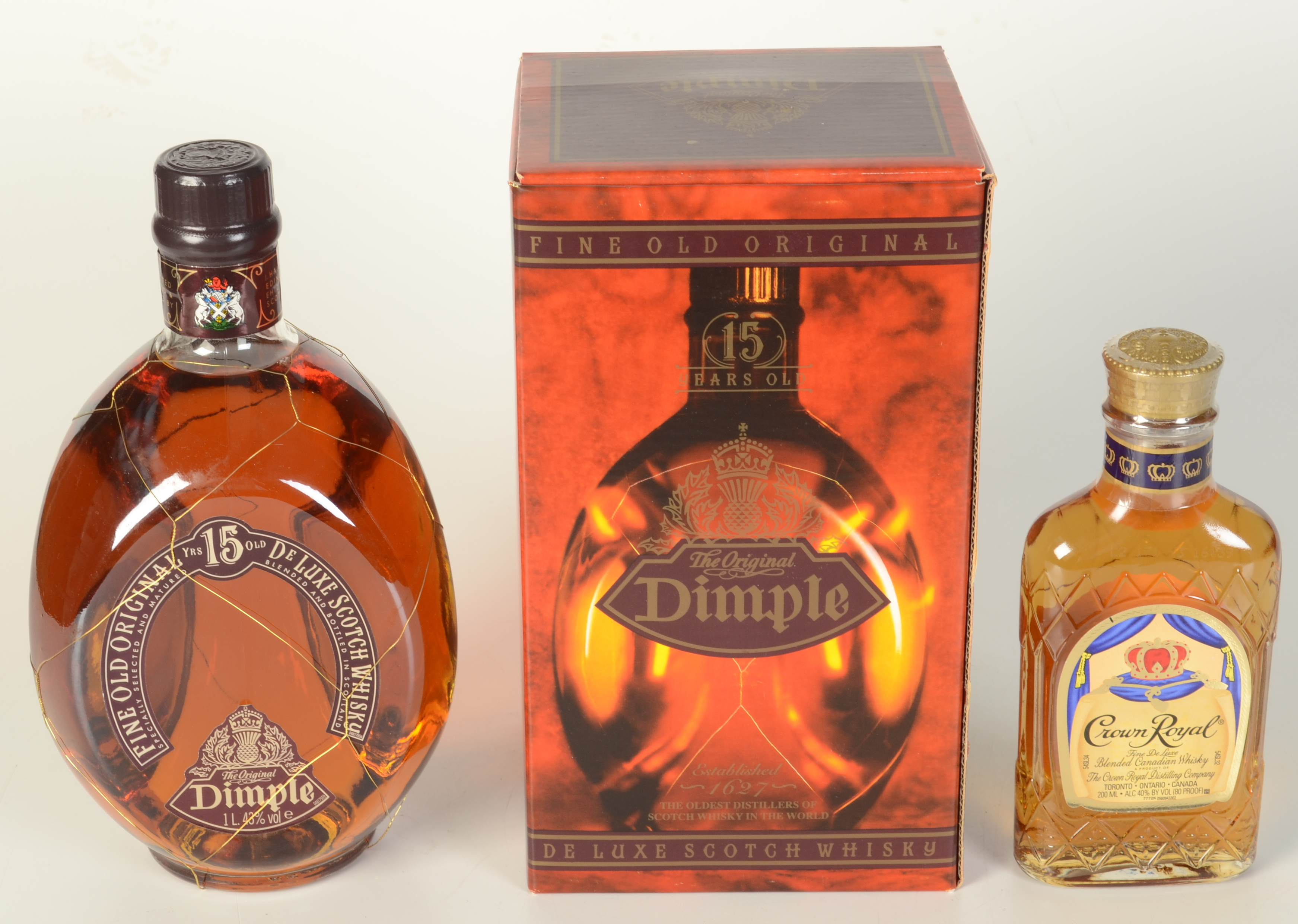 Lot 57 - A Dimple de Luxe 15 year old Scotch whisky, in original box, 1 litre, 43% vol,
