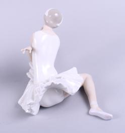 "Lot 31 - A Nao figure, ""The Art of Dance"", 13 1/2"" high, and a Lladro figure of a ballerina, 6 1/2"" high"