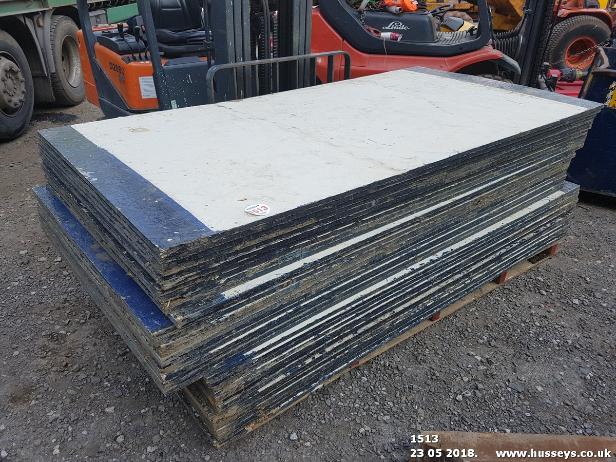 Lot 1513 - 36 SHEETS CHIPBOARD