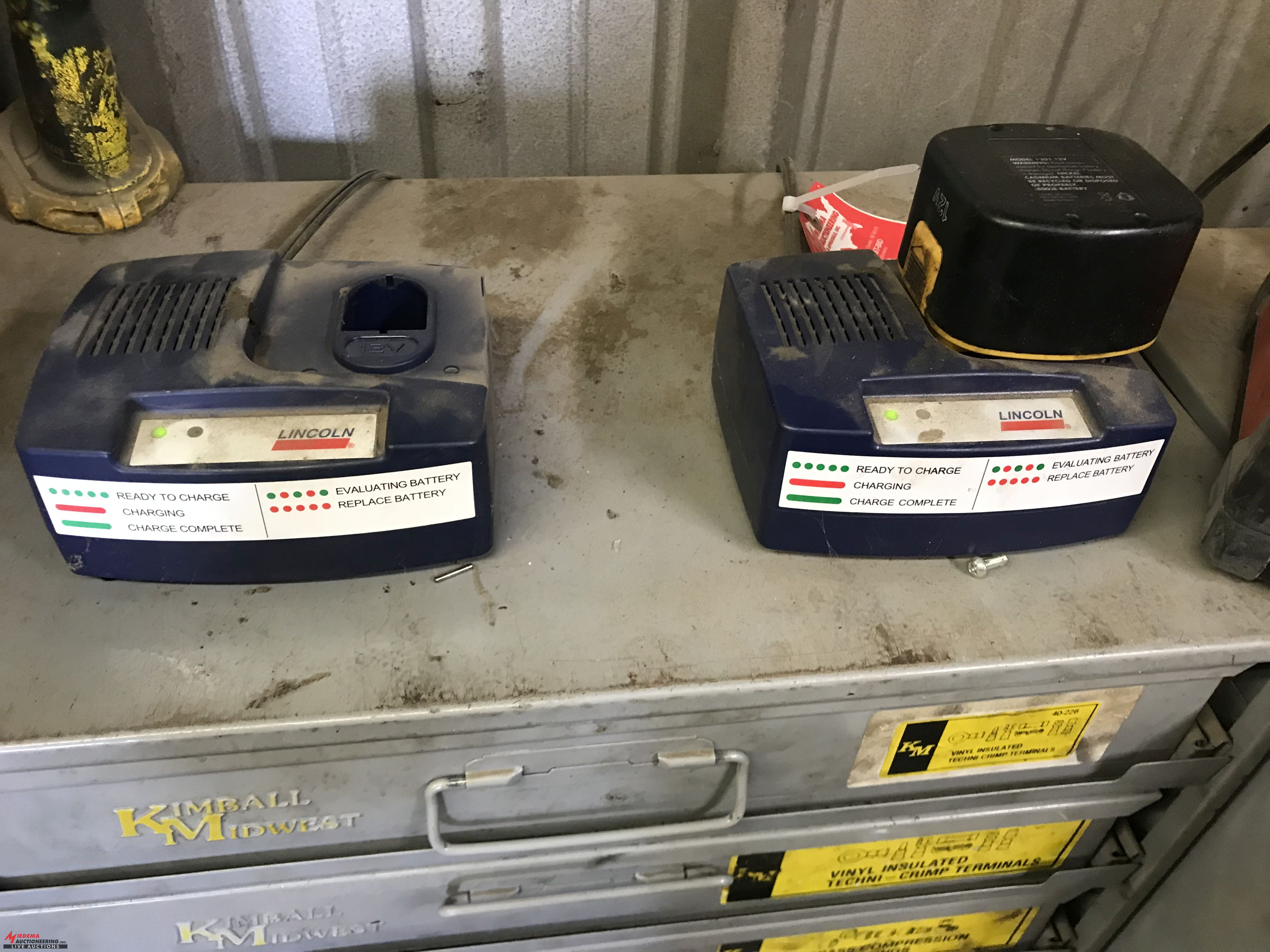 Lot 18C - LINCOLN CORDLESS GREASE GUN, WITH CHARGERS (2) AND BATTERIES (2)