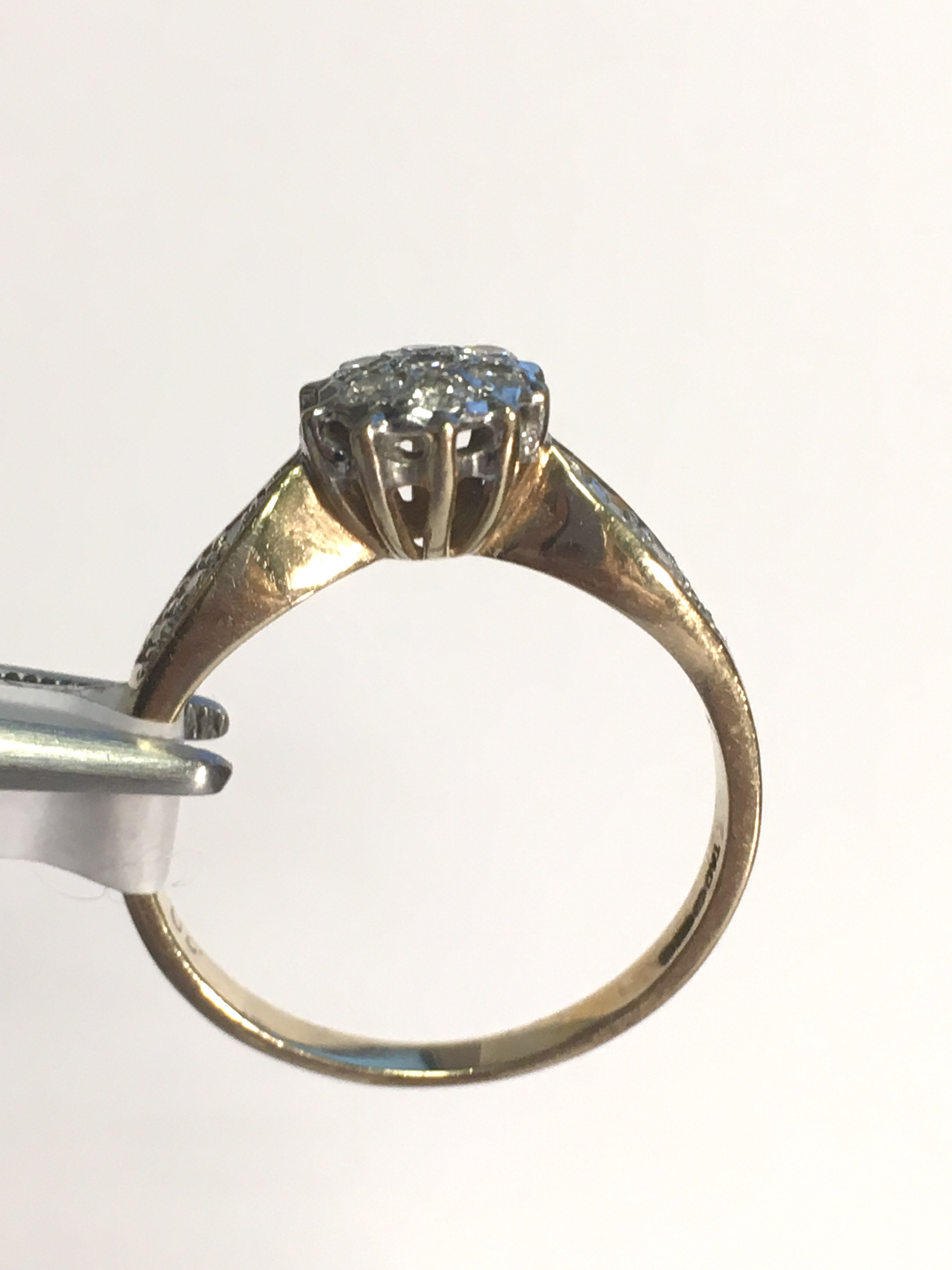 Lot 41 - 9ct Ladies Diamond Cluster Ring with Diamond Embedded Shoulders