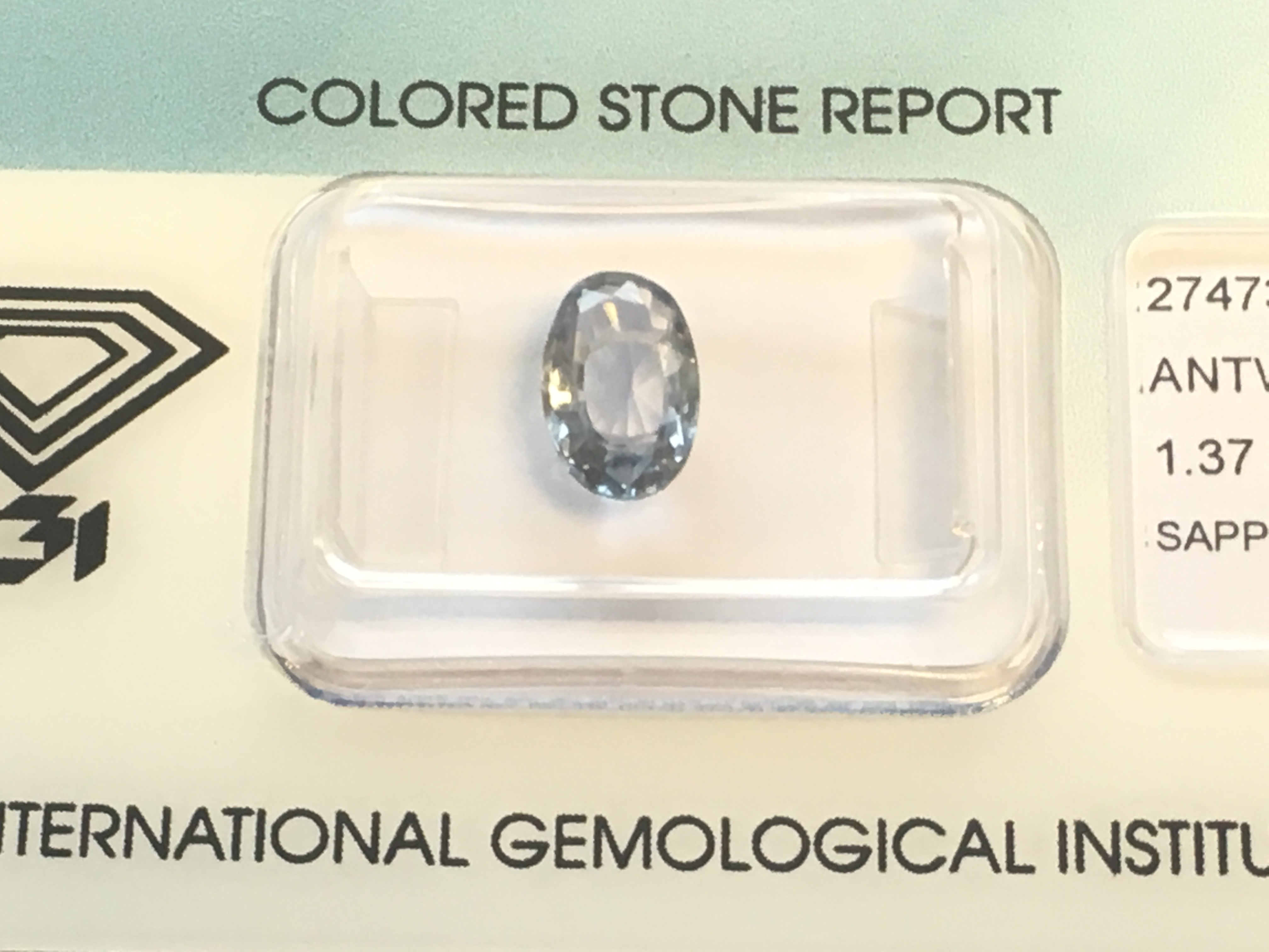 Lot 42 - 1.37ct Natural Sapphire with IGI Certificate
