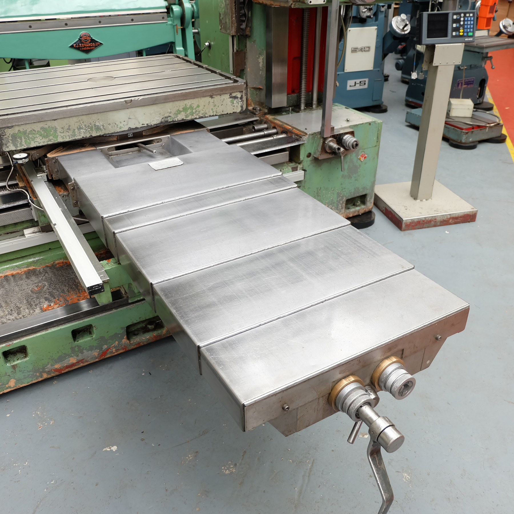 Ceruti Model ABC 75 Horizontal Boring & Milling Machine. With Tooling. - Image 4 of 15
