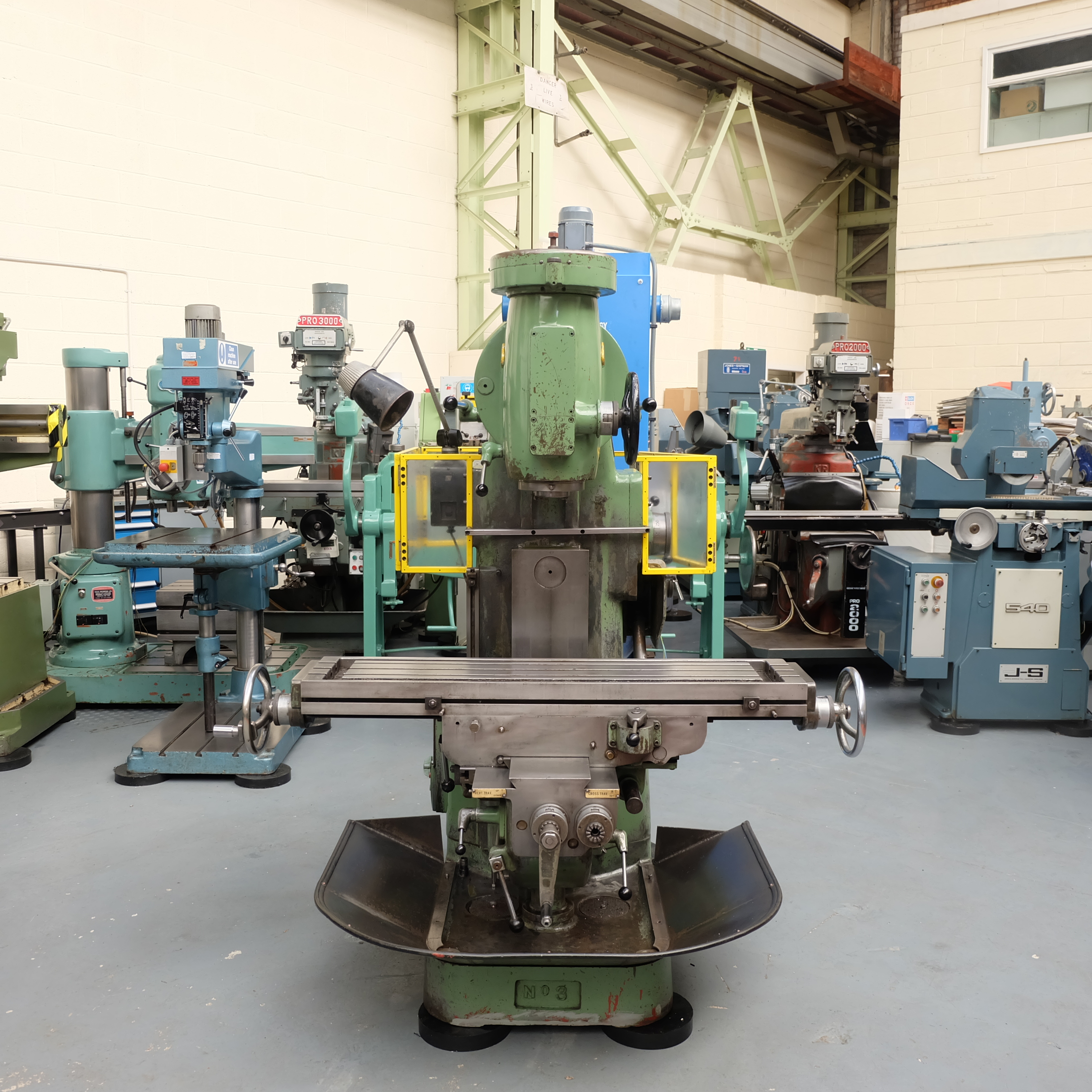 Richmond No 3V Vertical Milling Machine. - Image 2 of 12