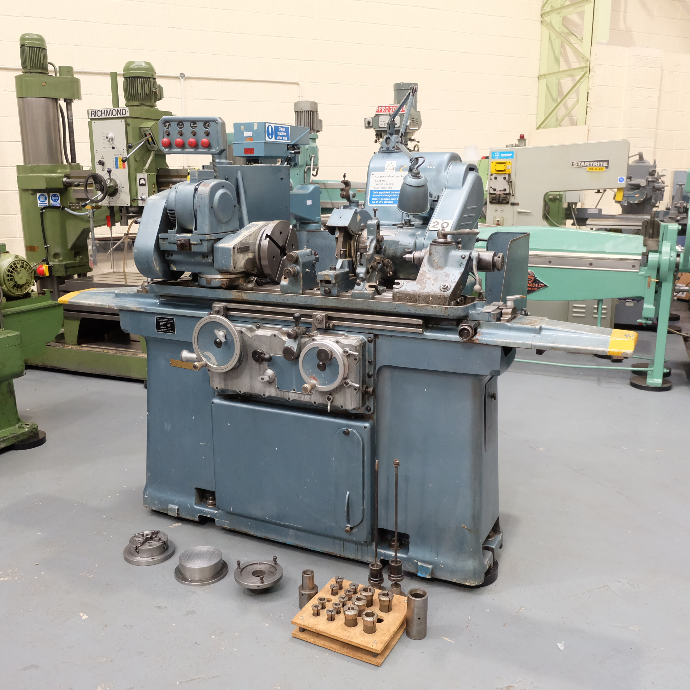 "Jones & Shipman Type 1311 Universal Cylindrical Grinder. 24"" x 10"" Capacity - Image 2 of 11"