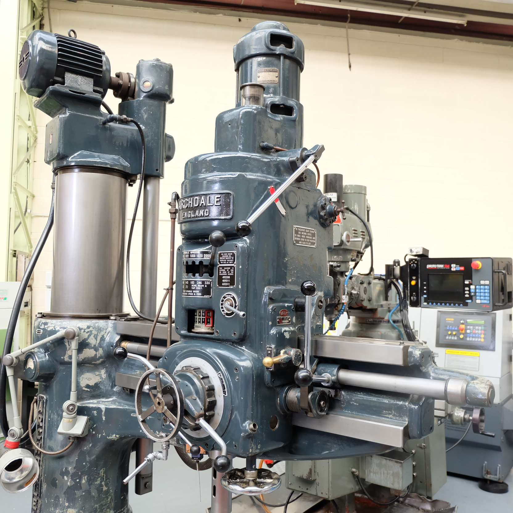"""Archdale: 3'6"""" Radial Arm Drill. Spindle Speeds 40-2000rpm. - Image 2 of 8"""