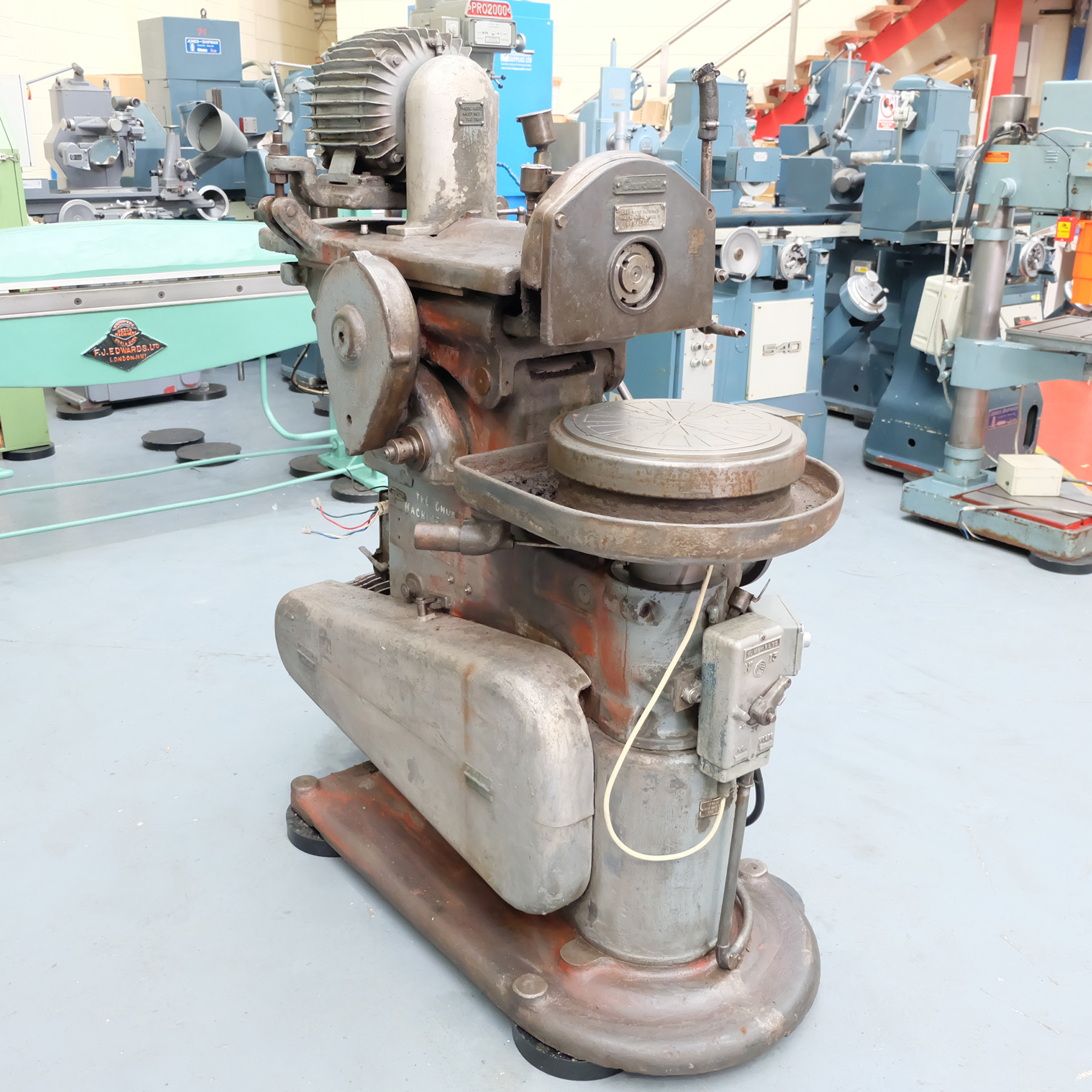"""Churchill Horizontal Spindle Tool Room Ring Grinding Machine. 12"""" Rotary Magnetic Table. - Image 3 of 5"""