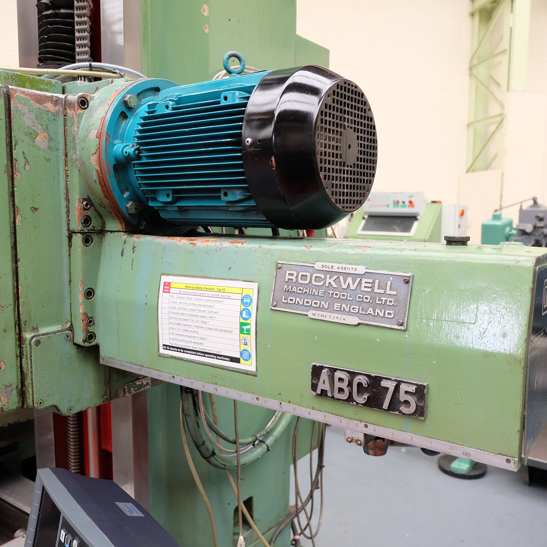 Ceruti Model ABC 75 Horizontal Boring & Milling Machine. With Tooling. - Image 12 of 15