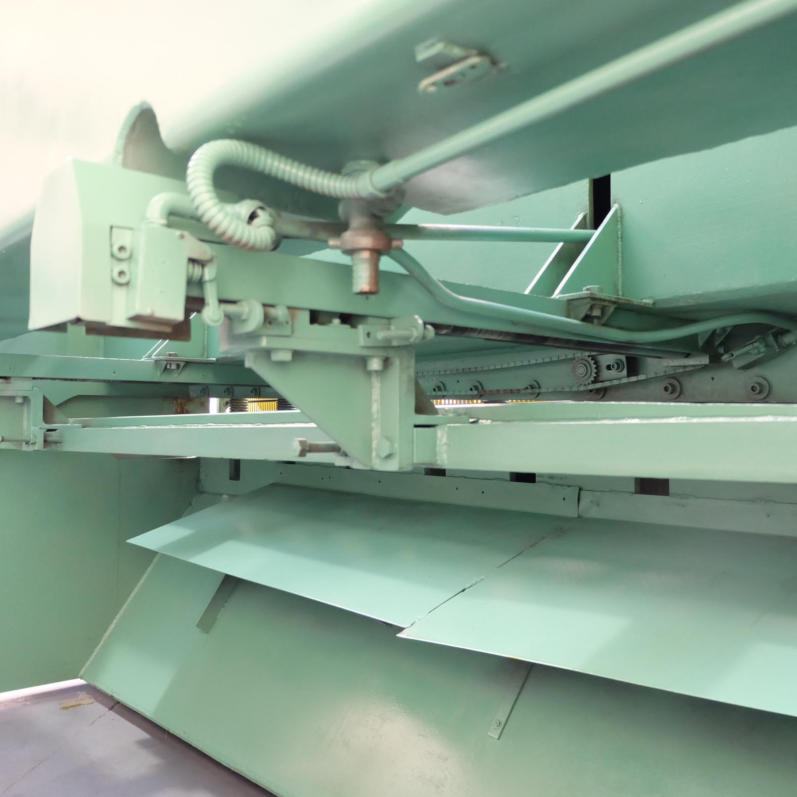 Pearson Type 8 x 25 Hydraulic Guillotine. - Image 5 of 7