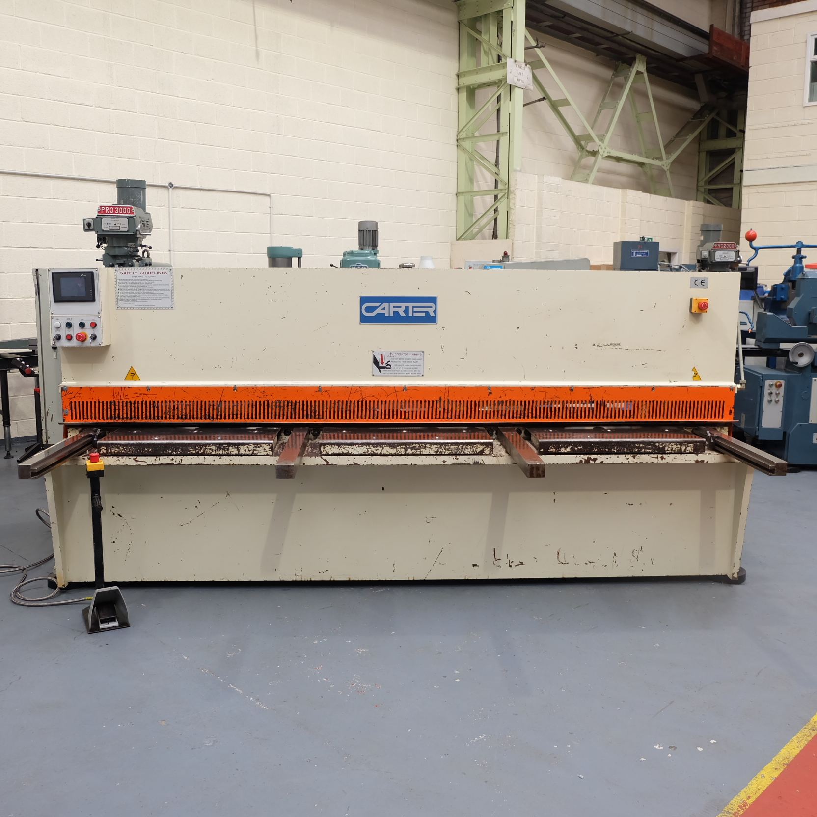 Carter Model QC12K-6x3200: Hydraulic Power Guillotine.