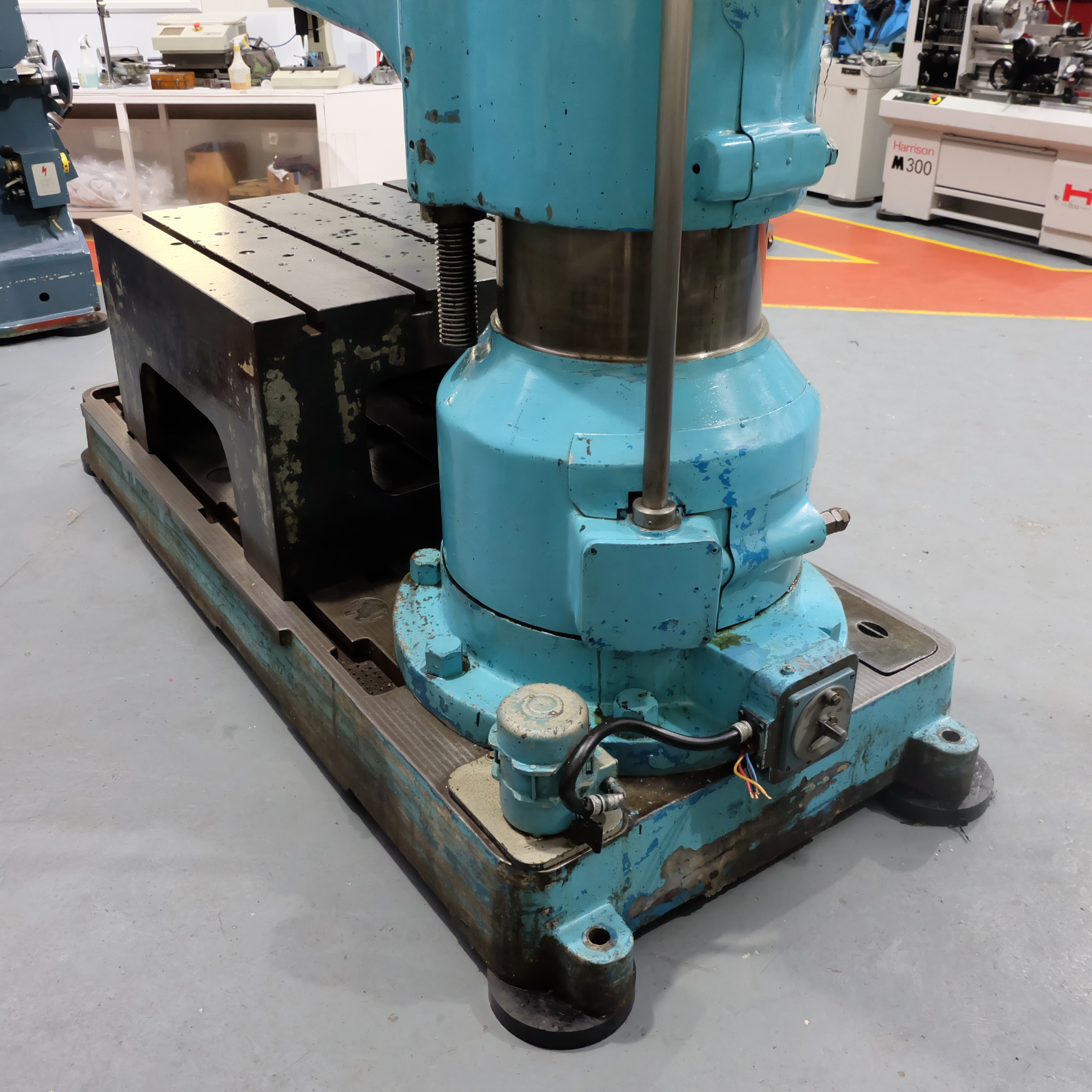 "Kitchen & Wade Type E27 6' Radial Arm Drill. Arm Radius 72"". - Image 10 of 10"