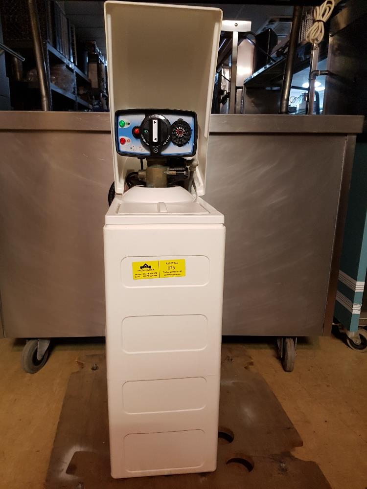 Lot 28 - 23 Litre Cold Water Softener – Tested Working- Fully Serviced & Cleaned -1ph Buyer to collect