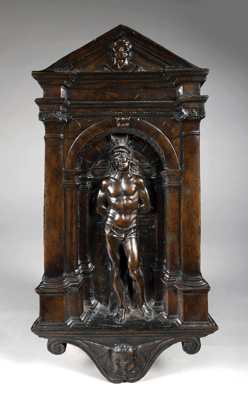Los 42 - Porte de tabernacle en bronze patiné représentant saint Sébastien dans une niche [...]