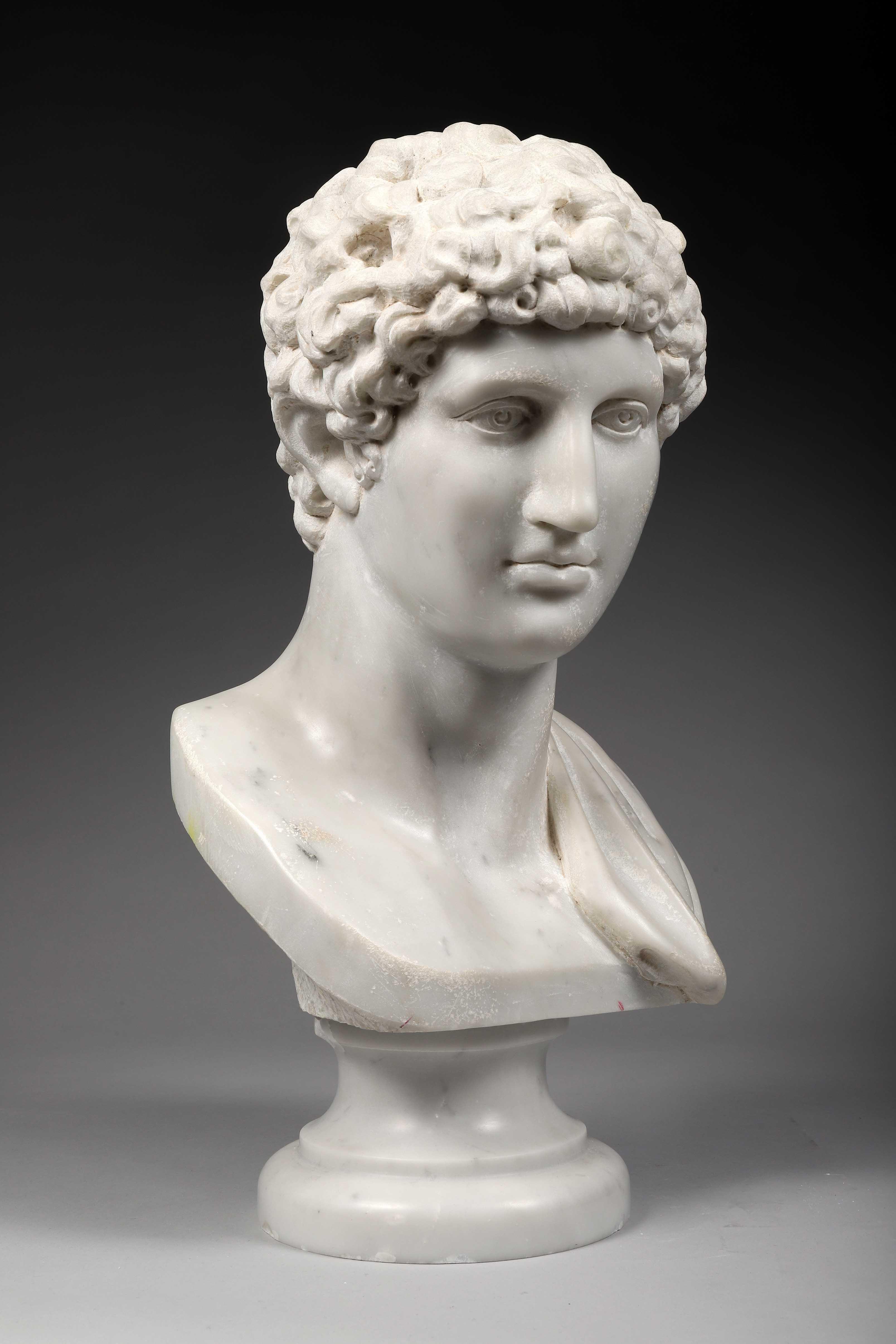Los 46 - Buste de GIOVANNI ANTINOÜS Marbre blanc de Carrare Superbe copie du XXème siècle [...]