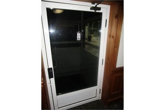 garaventa genesis enclosed vertical lift 4 39 x 3 39 platform. Black Bedroom Furniture Sets. Home Design Ideas