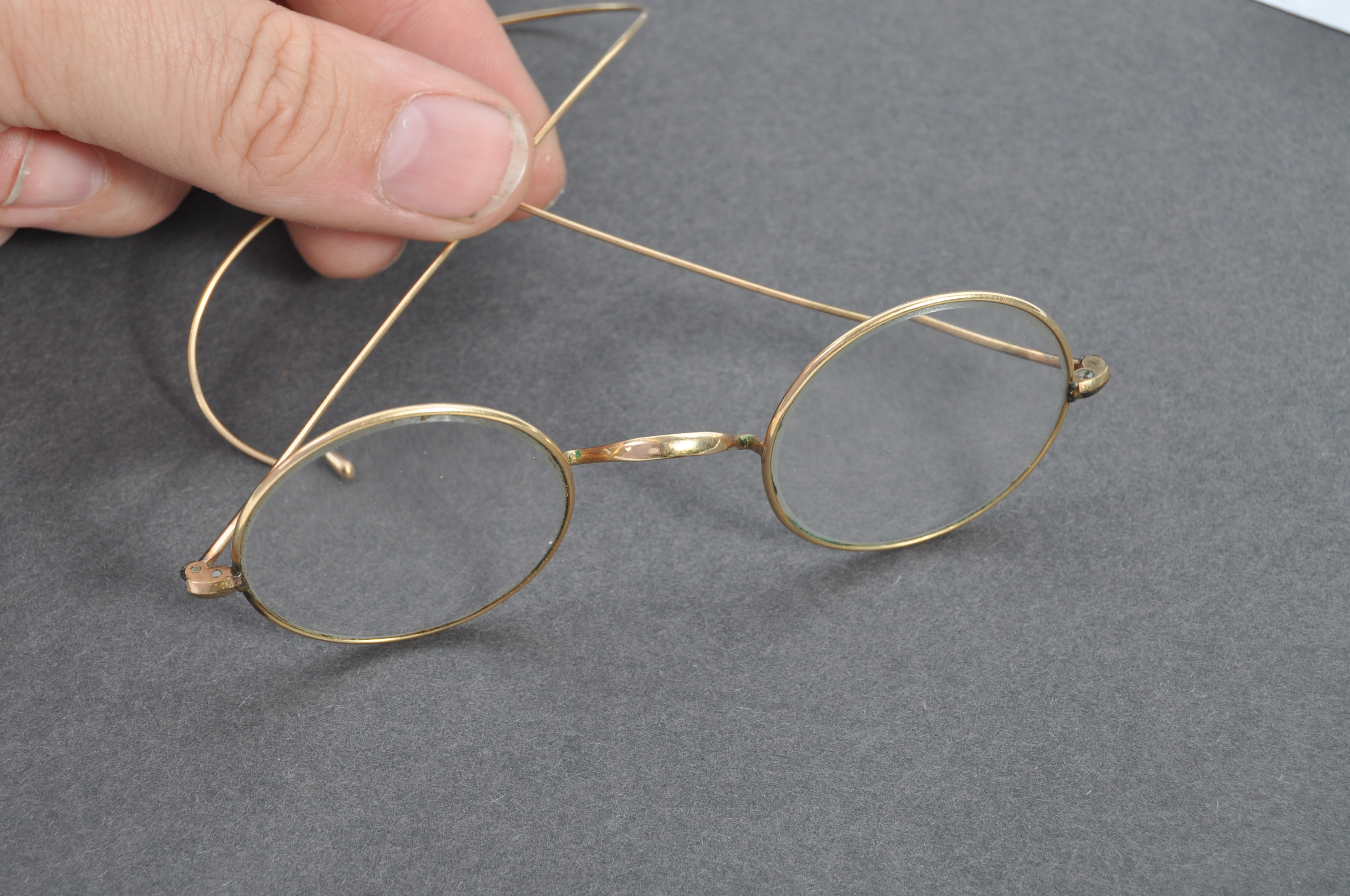 PAIR OF MATHATMA GANDHI'S PERSONAL SPECTACLES - Image 7 of 7