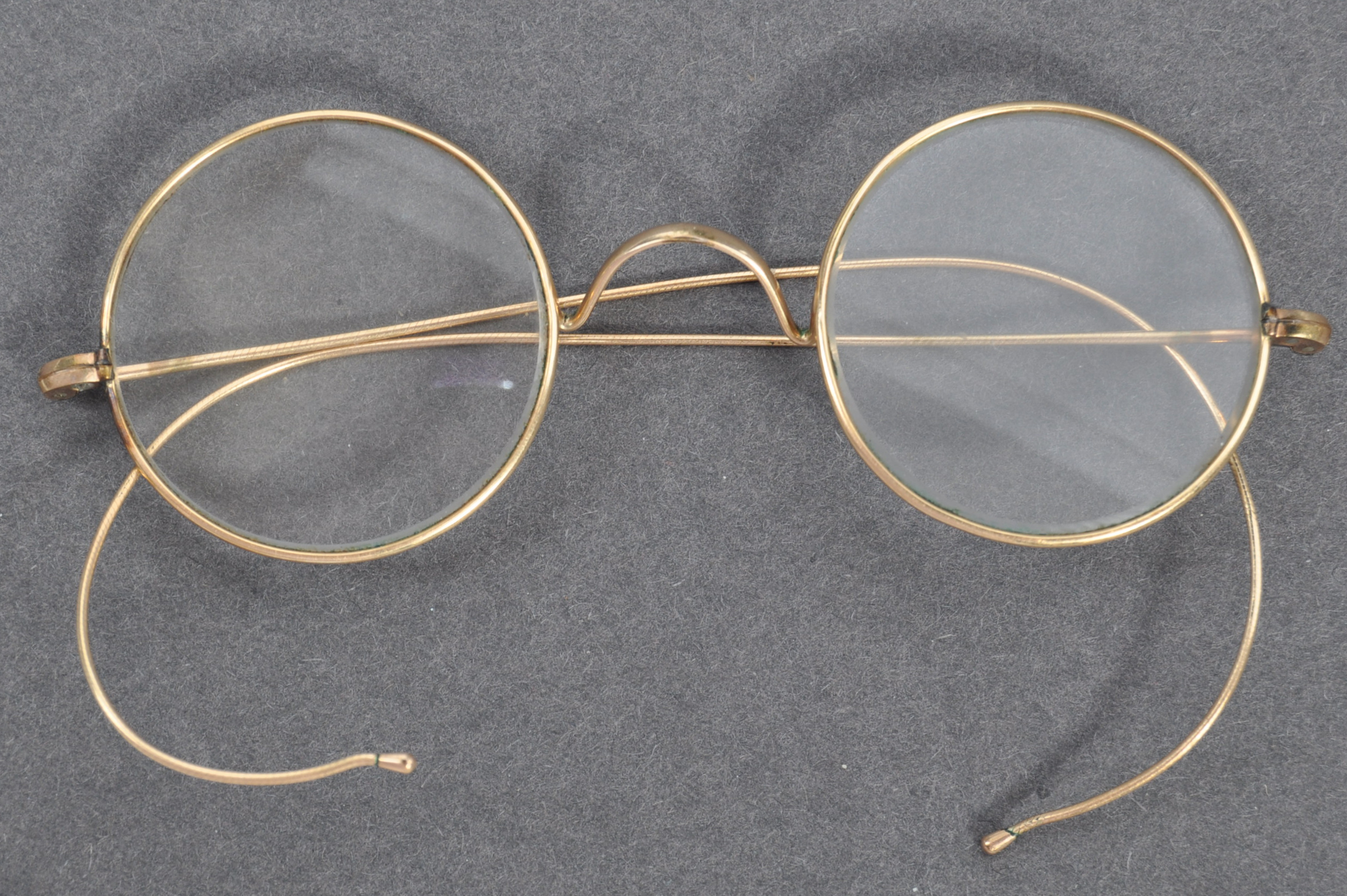PAIR OF MATHATMA GANDHI'S PERSONAL SPECTACLES - Image 6 of 7