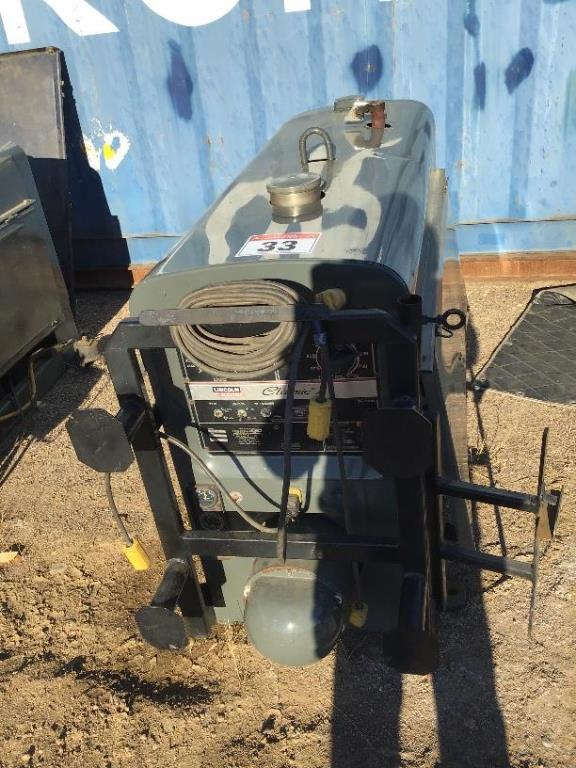 Lot 33 - Classic 1 Lincoln SA200 Gas Welder 946hrs, sn 510707