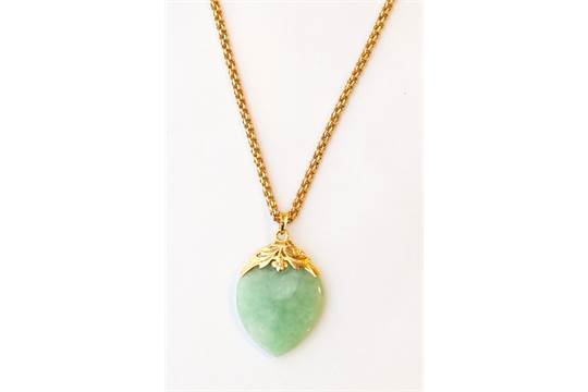 Heart shaped jade pendant in fourteen carat gold mount and on heart shaped jade pendant in fourteen carat gold mount and on fancy link nine carat gold chain mozeypictures Choice Image