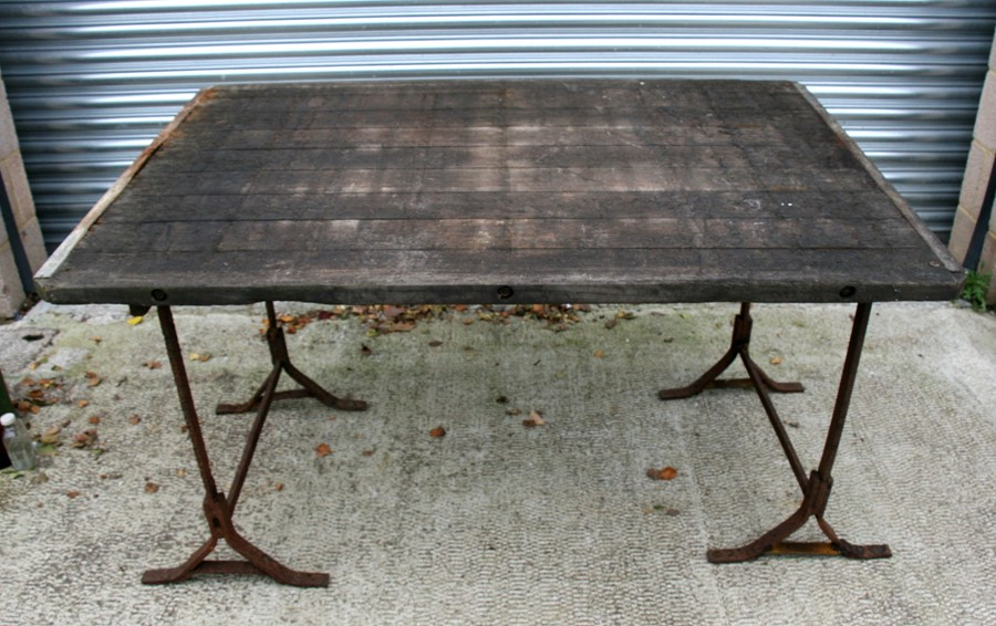 An industrial style heart oak garden table, 141cms (55.5ins) wide. - Image 2 of 2