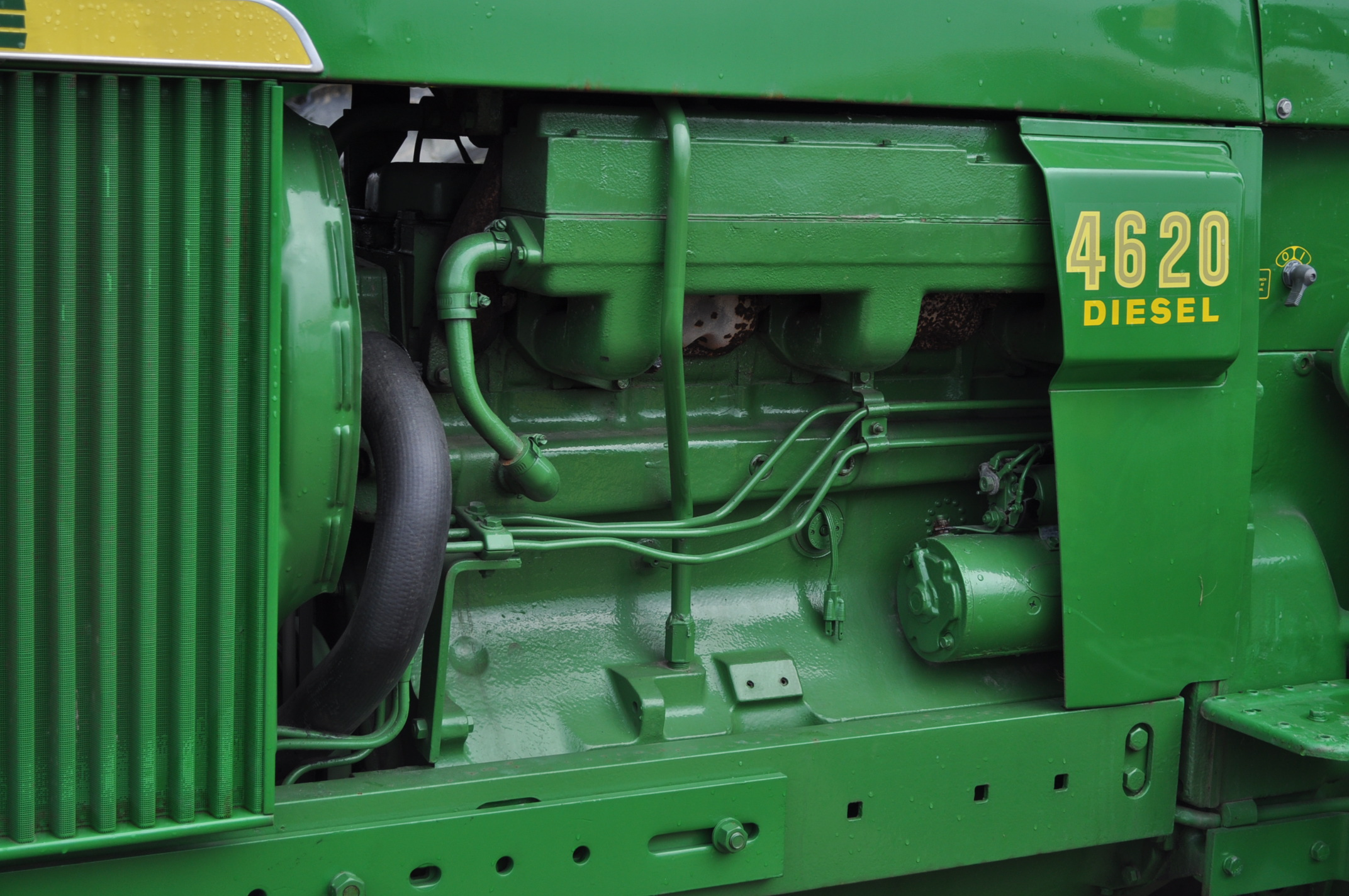 John Deere 4520 tractor, ***4520 frame with 4620 engine**** diesel, 18.4-38 new inside rear - Image 10 of 17