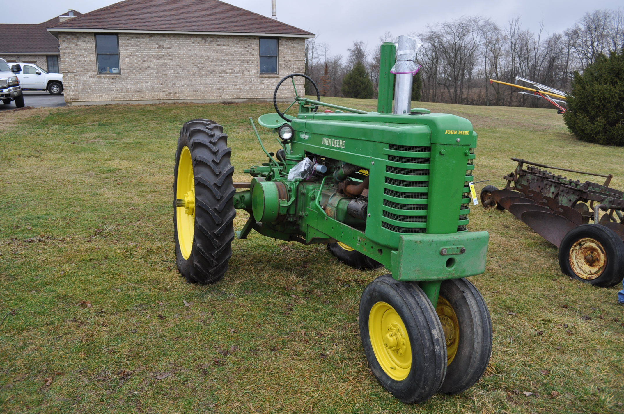 1942 John Deere Styled A, New 12.4-38 rear tires, narrow front, 540 pto - Image 4 of 15