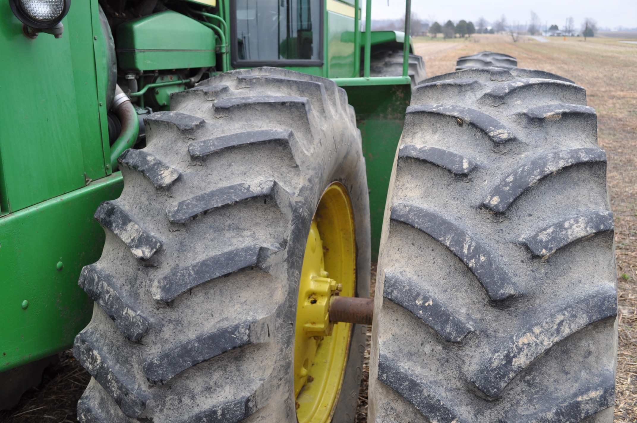 John Deere 8430 tractor, 4WD, diesel, 20.8-34 duals, CHA, Quad range, 3 hyd remotes, 1000 pto, 3 pt, - Image 5 of 19