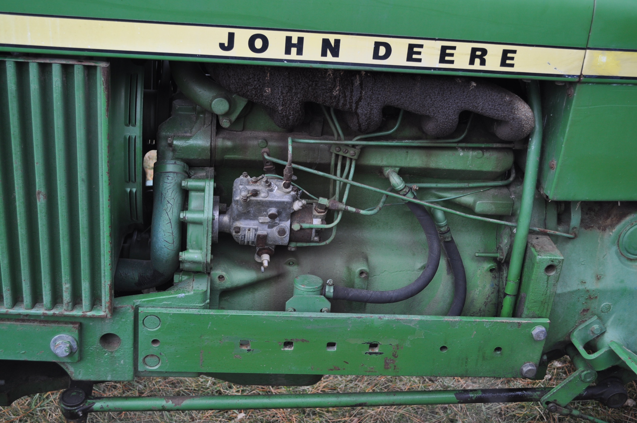 John Deere 2030 tractor, diesel, 16.9-28 rear, 7.5-15 front, canopy, power shuttle, 2 hyd remotes, - Image 10 of 20