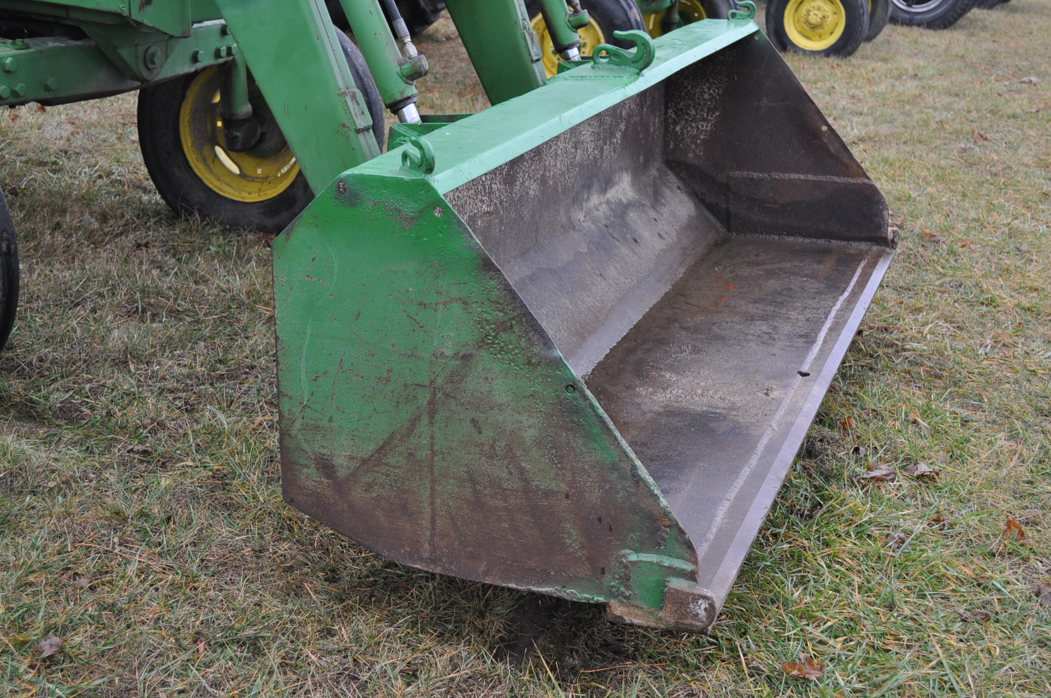 John Deere 4030 tractor, diesel, 18.4-34 rear duals, rear wts, 9.5-15 front, 4-post canopy, Syncro, - Image 17 of 26