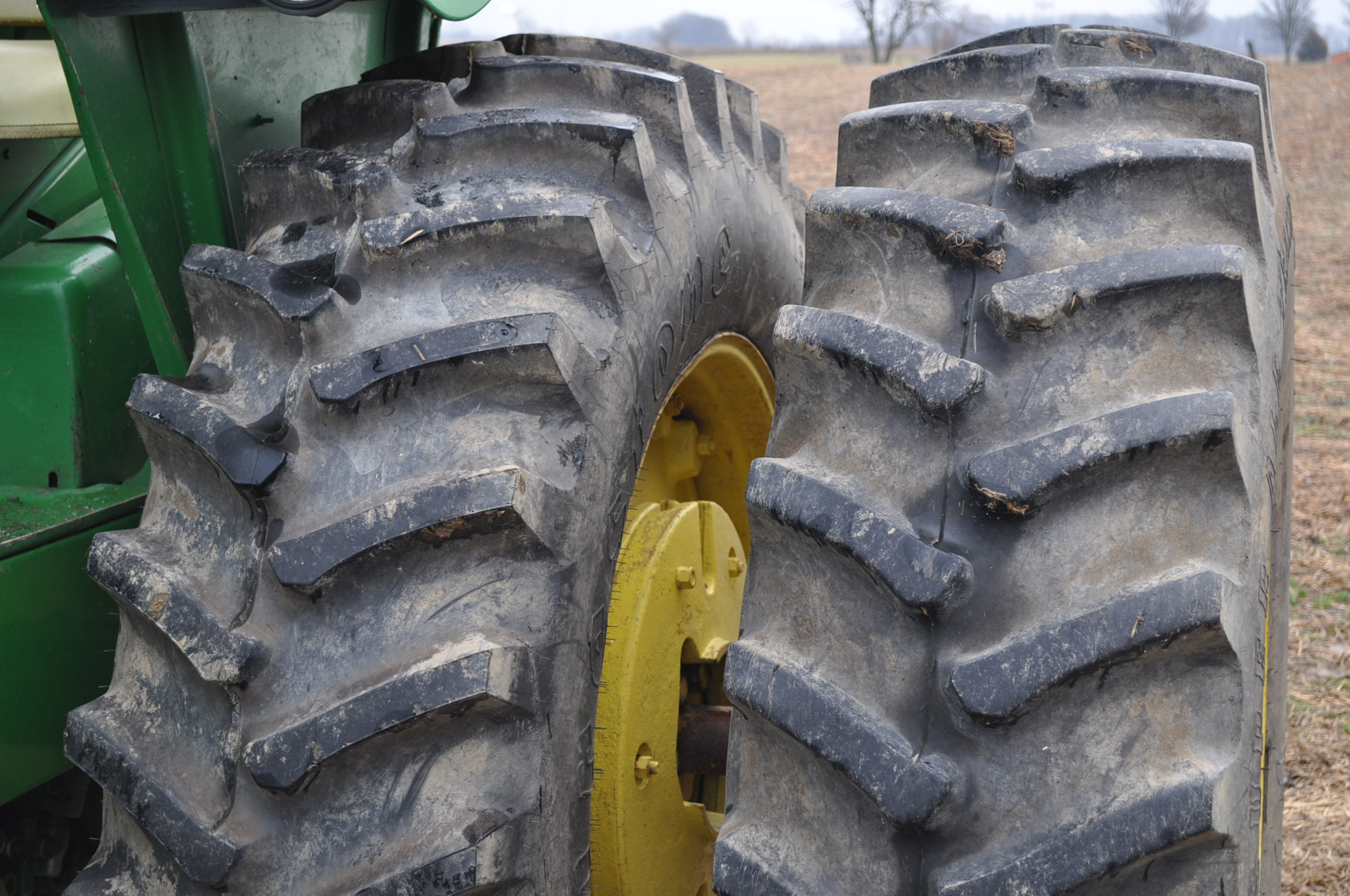John Deere 4320 tractor, diesel, 18.4-38 duals, 10.00-16 wide front, Syncro, 2 hyd remotes, 540/1000 - Image 6 of 20