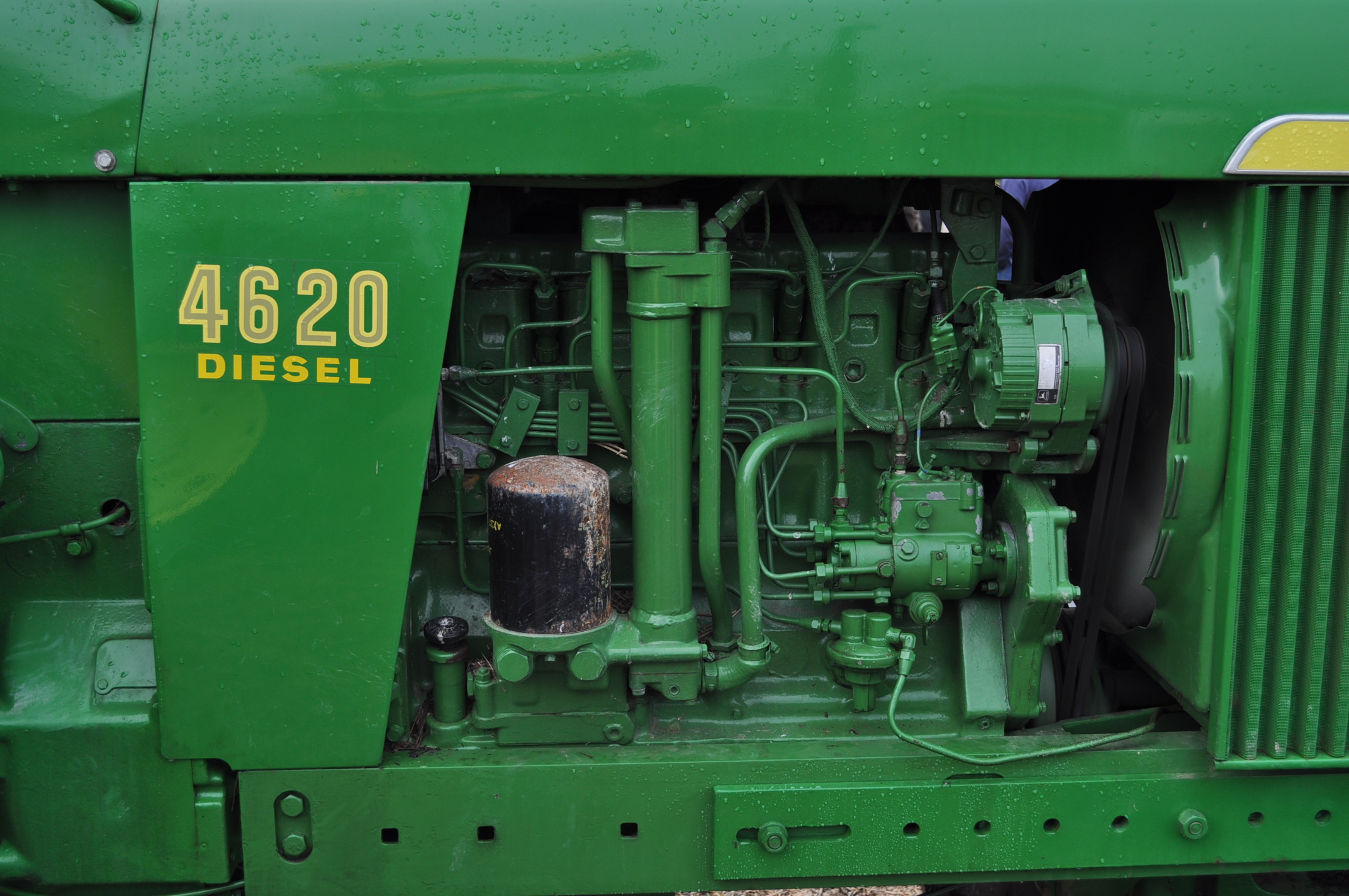 John Deere 4520 tractor, ***4520 frame with 4620 engine**** diesel, 18.4-38 new inside rear - Image 9 of 17