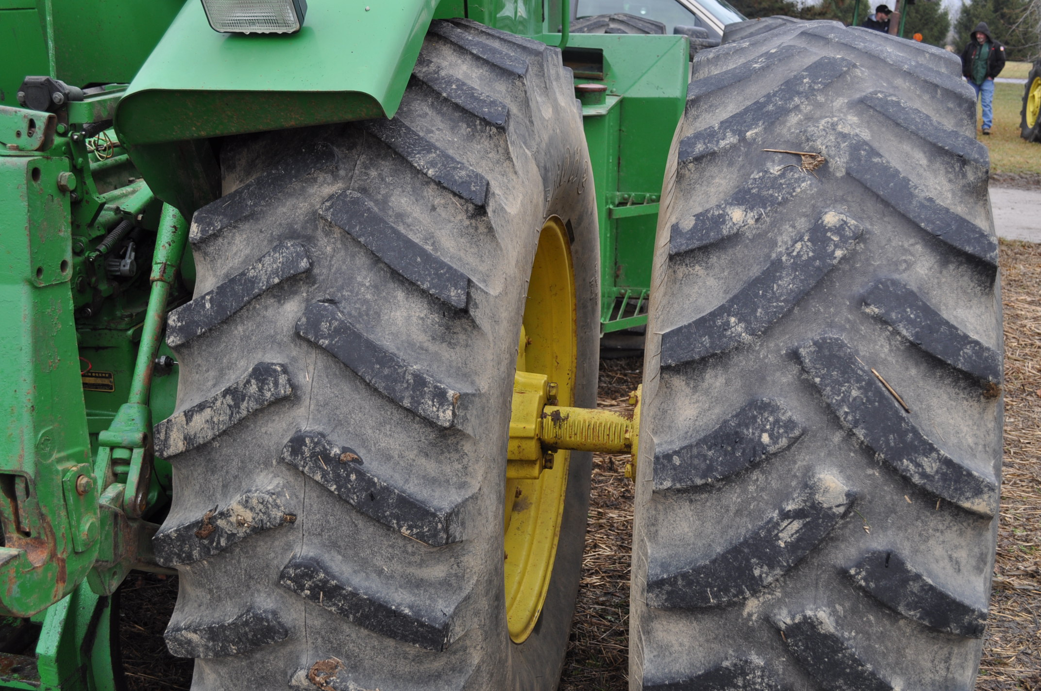 John Deere 8430 tractor, 4WD, diesel, 20.8-34 duals, CHA, Quad range, 3 hyd remotes, 1000 pto, 3 pt, - Image 7 of 19