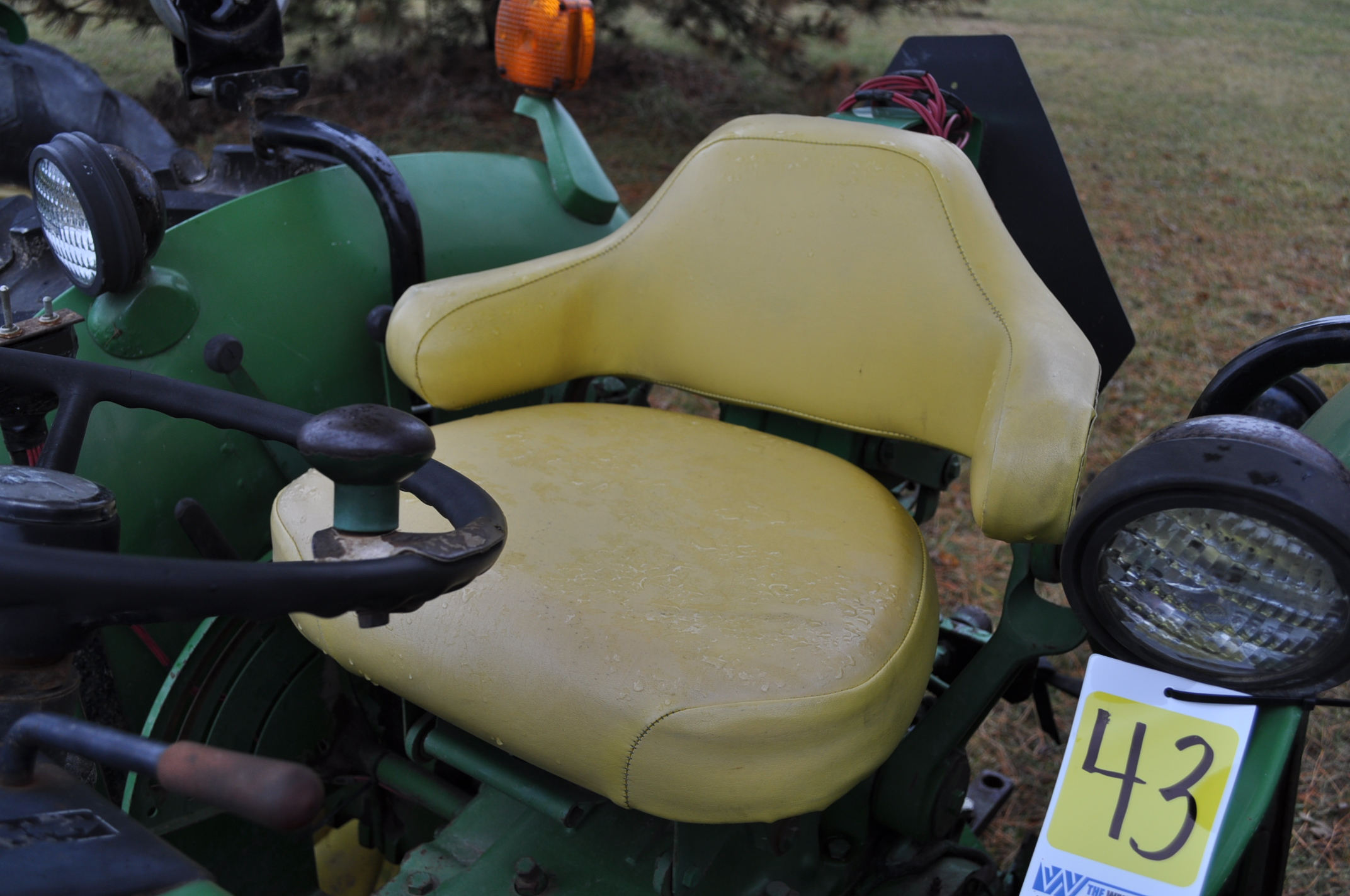 John Deere 2030 tractor, diesel, 16.9-28 rear, 7.5-15 front, canopy, power shuttle, 2 hyd remotes, - Image 16 of 20