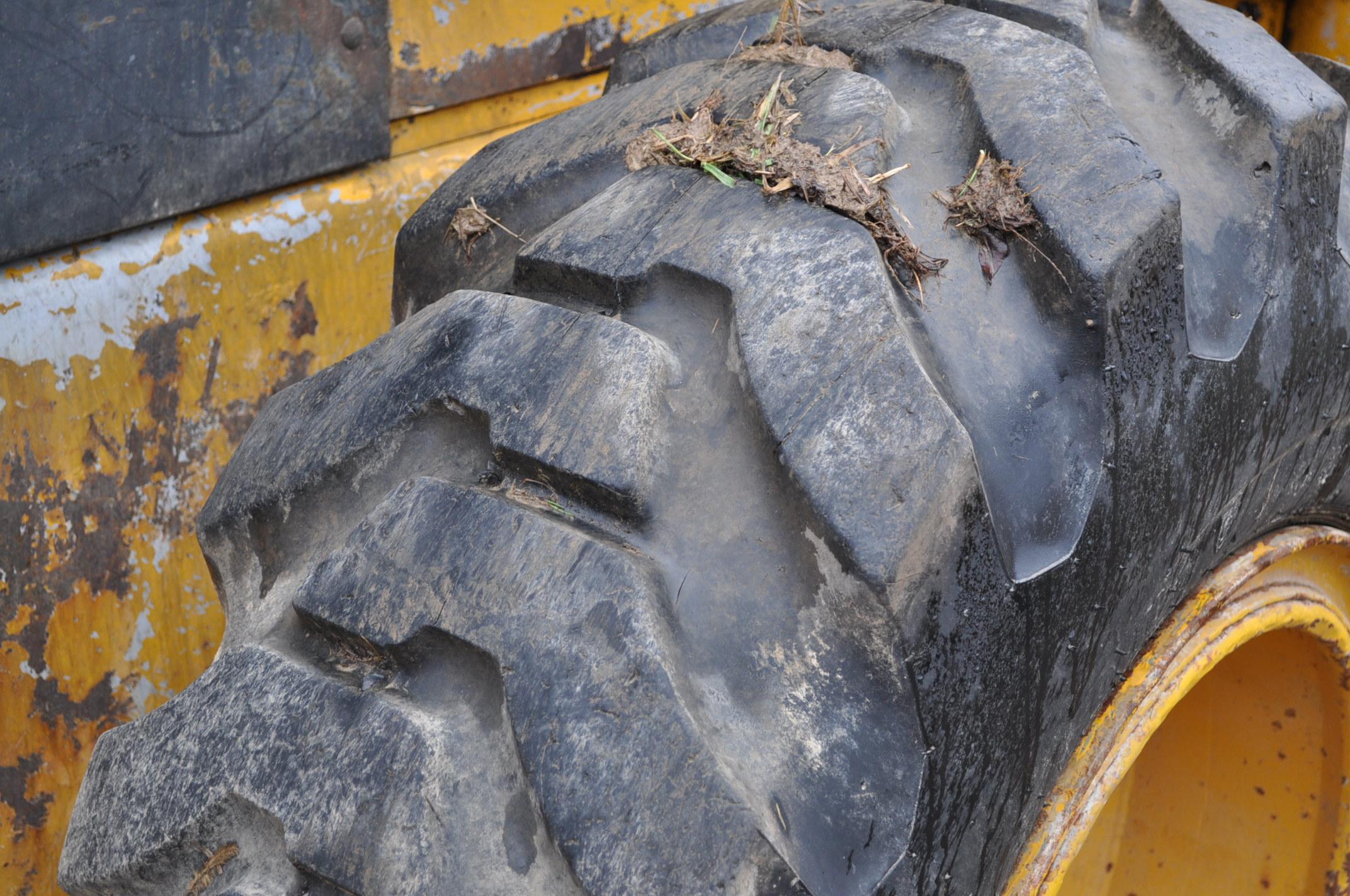 John Deere 544 Payloader, 17.5-25 tires, shows 1074 hrs, SN 0767621 - Image 8 of 16