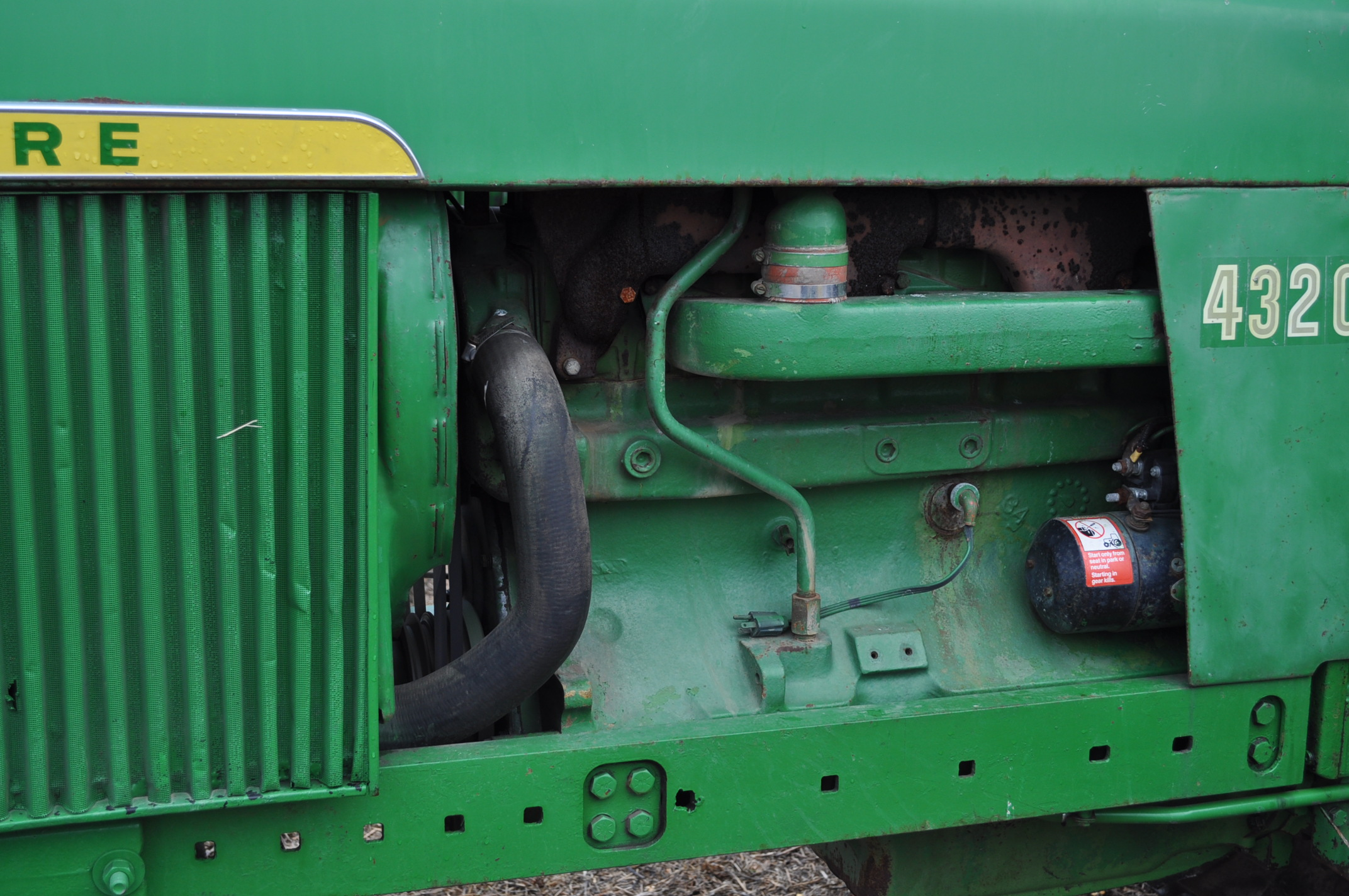 John Deere 4320 tractor, diesel, 18.4-38 duals, 10.00-16 wide front, Syncro, 2 hyd remotes, 540/1000 - Image 12 of 20