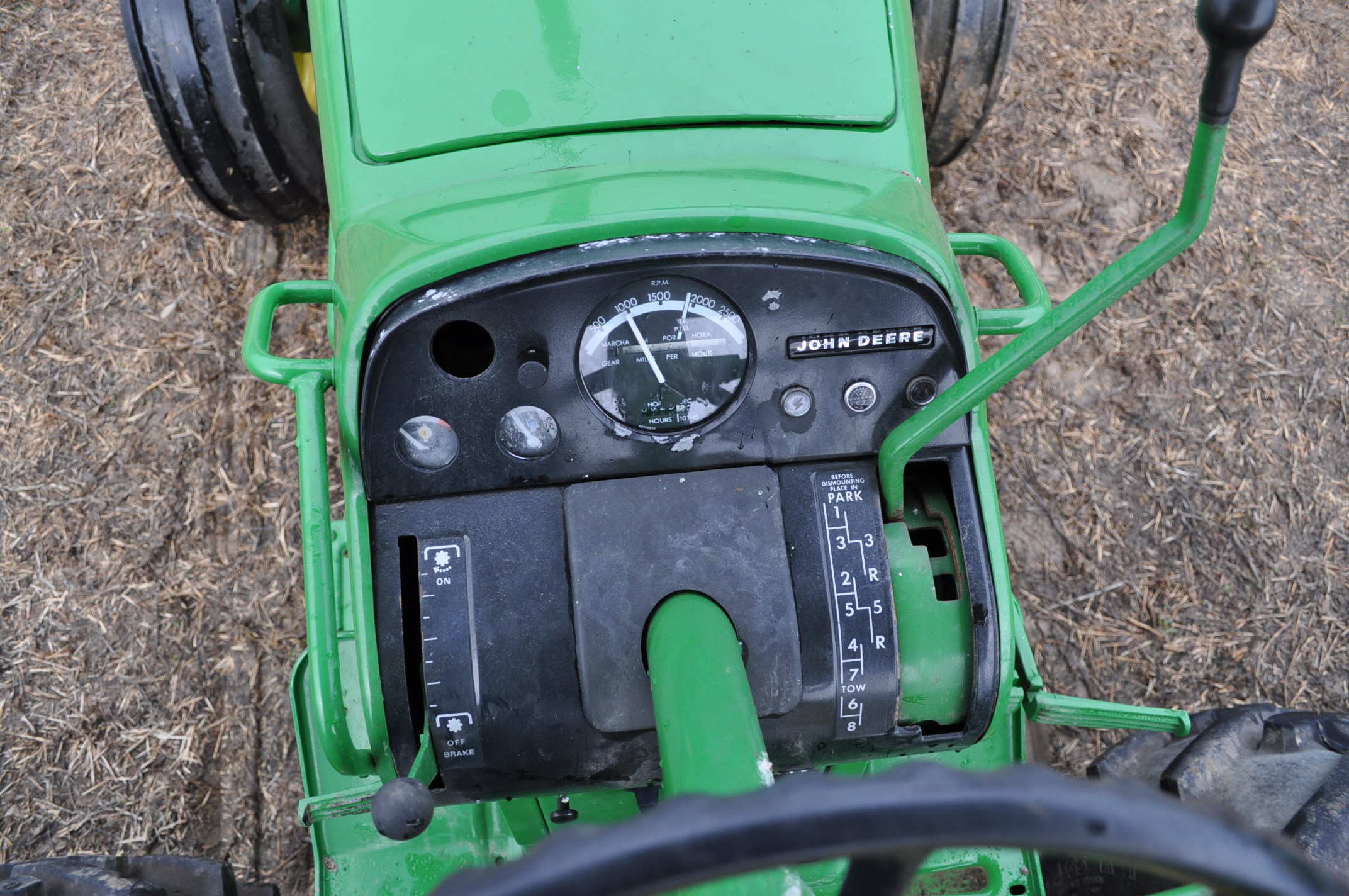 John Deere 4520 tractor, ***4520 frame with 4620 engine**** diesel, 18.4-38 new inside rear - Image 16 of 17