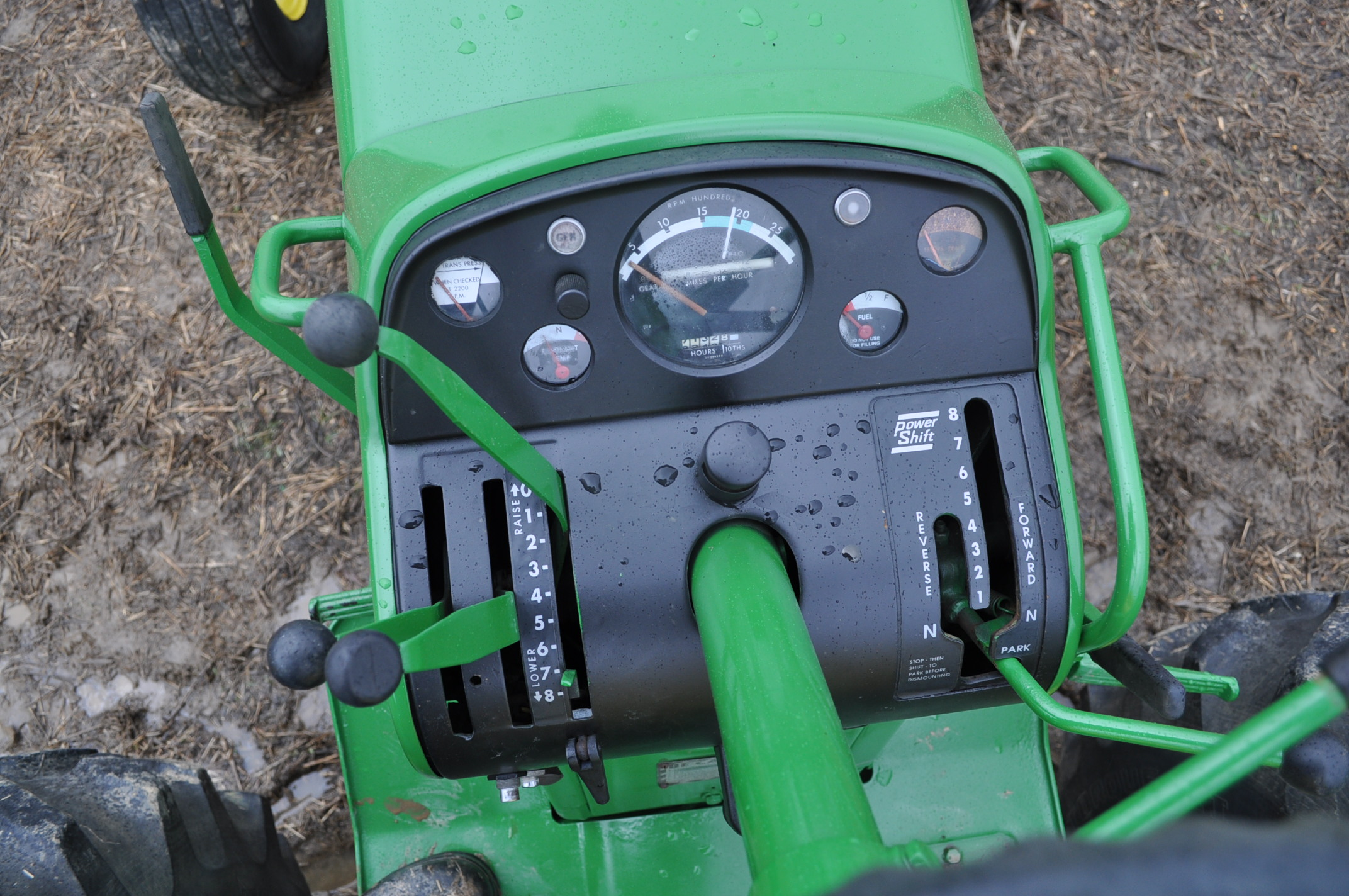 John Deere 4020 powershift, major overhaul on motor, 12V system, dual hyd remotes, wide front, 7,130 - Image 17 of 18