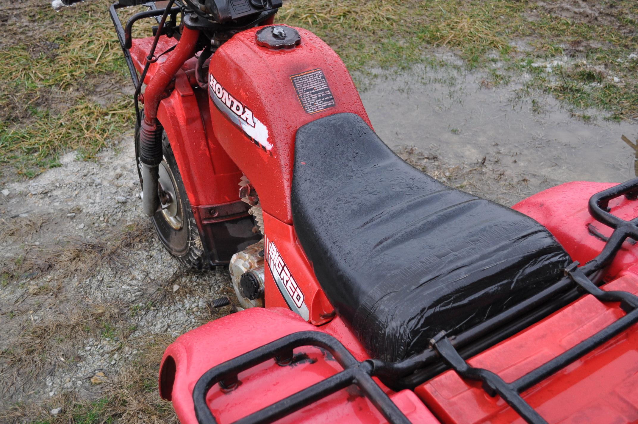 Honda Big Red 3-wheeler, new 25 x 12.00-9 tires - Image 8 of 8