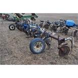 11-shank Blu Jet NH3 bar, 3 pt, hyd fold, gauge wheels, rear hitch, leading coulters