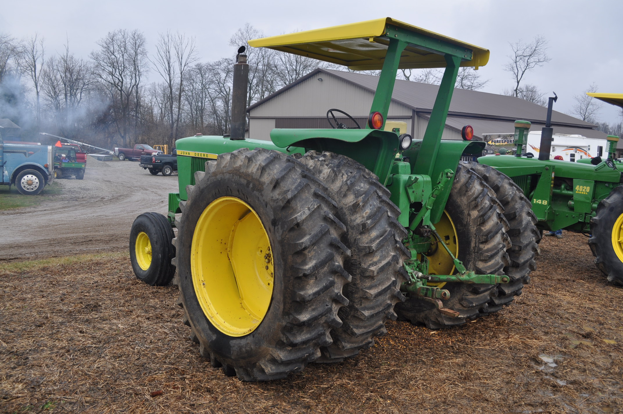 John Deere 4320 tractor, diesel, 18.4-38 duals, 10.00-16 wide front, Syncro, 2 hyd remotes, 540/1000 - Image 2 of 20