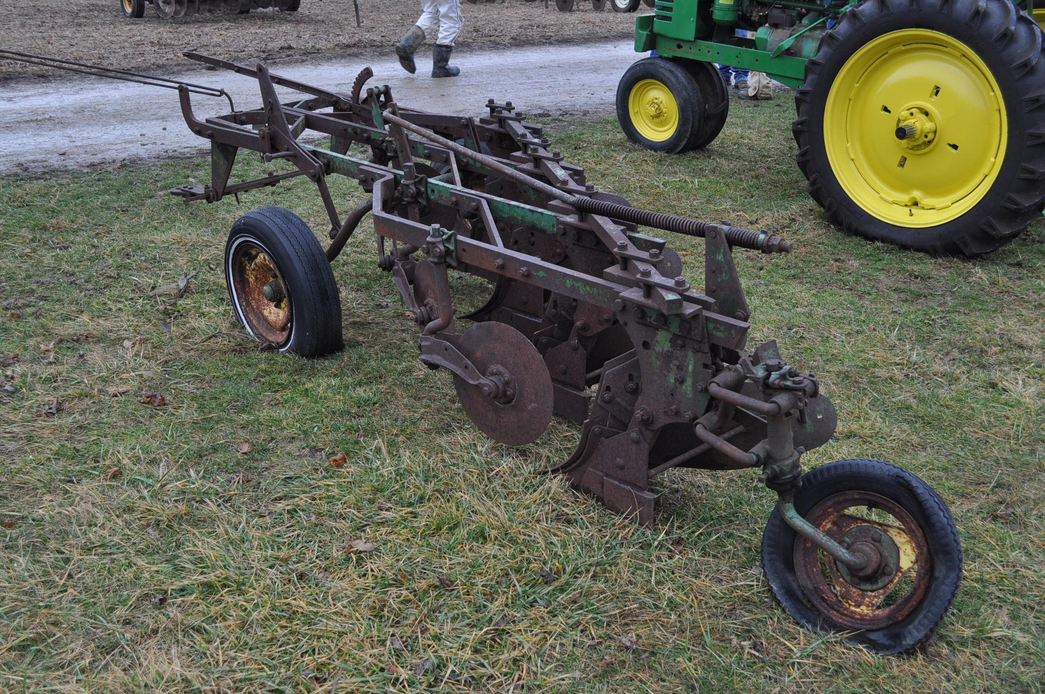 "John Deere 4 x 16"" plow, pull-type - Image 3 of 7"