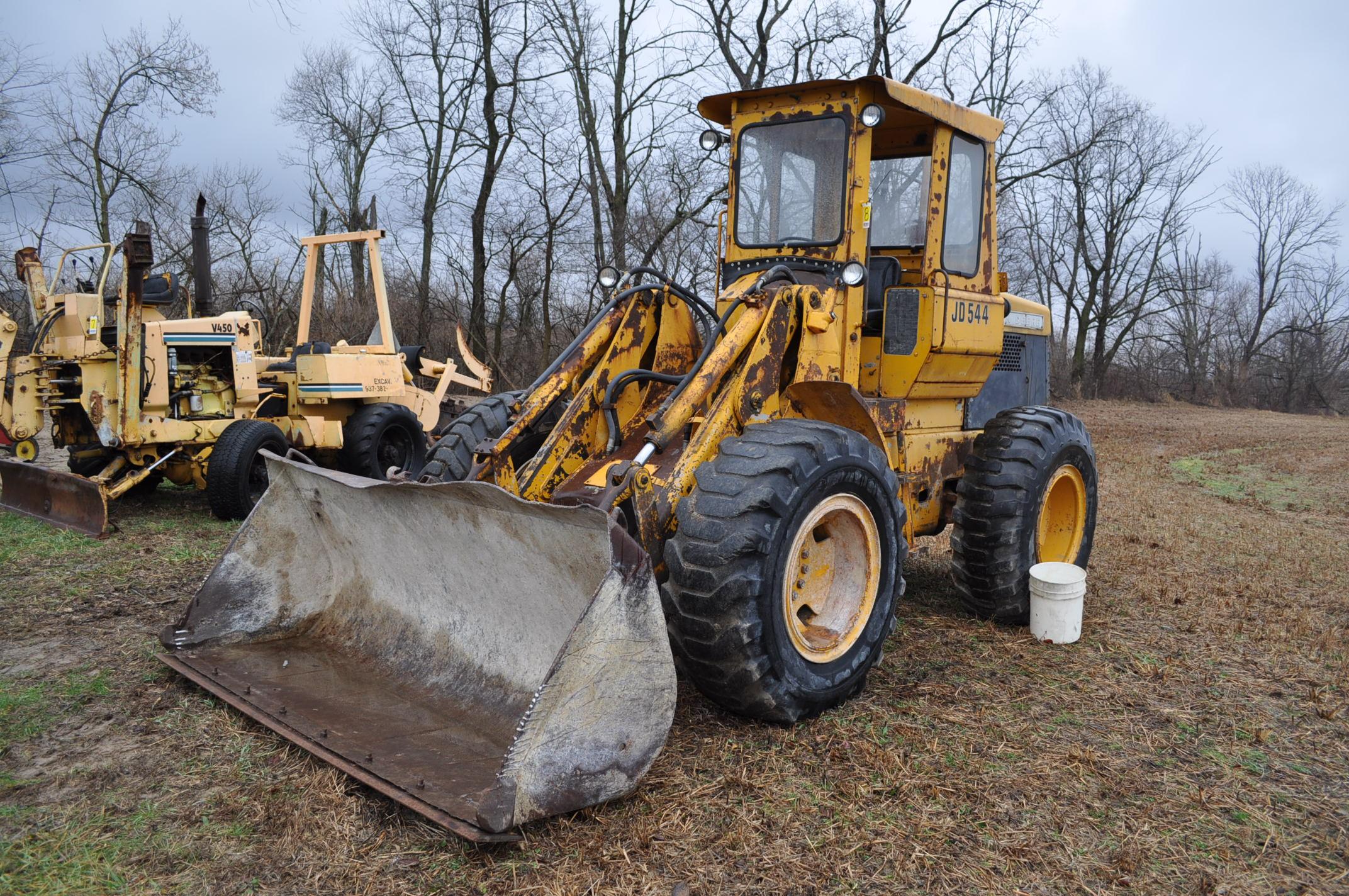 John Deere 544 Payloader, 17.5-25 tires, shows 1074 hrs, SN 0767621