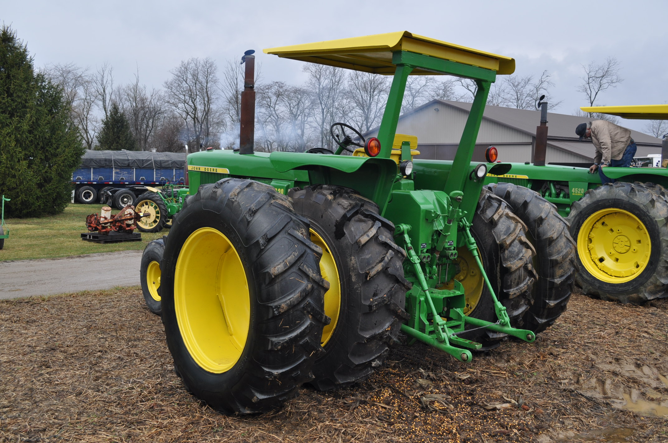 John Deere 4520 tractor, ***4520 frame with 4620 engine**** diesel, 18.4-38 new inside rear - Image 2 of 17