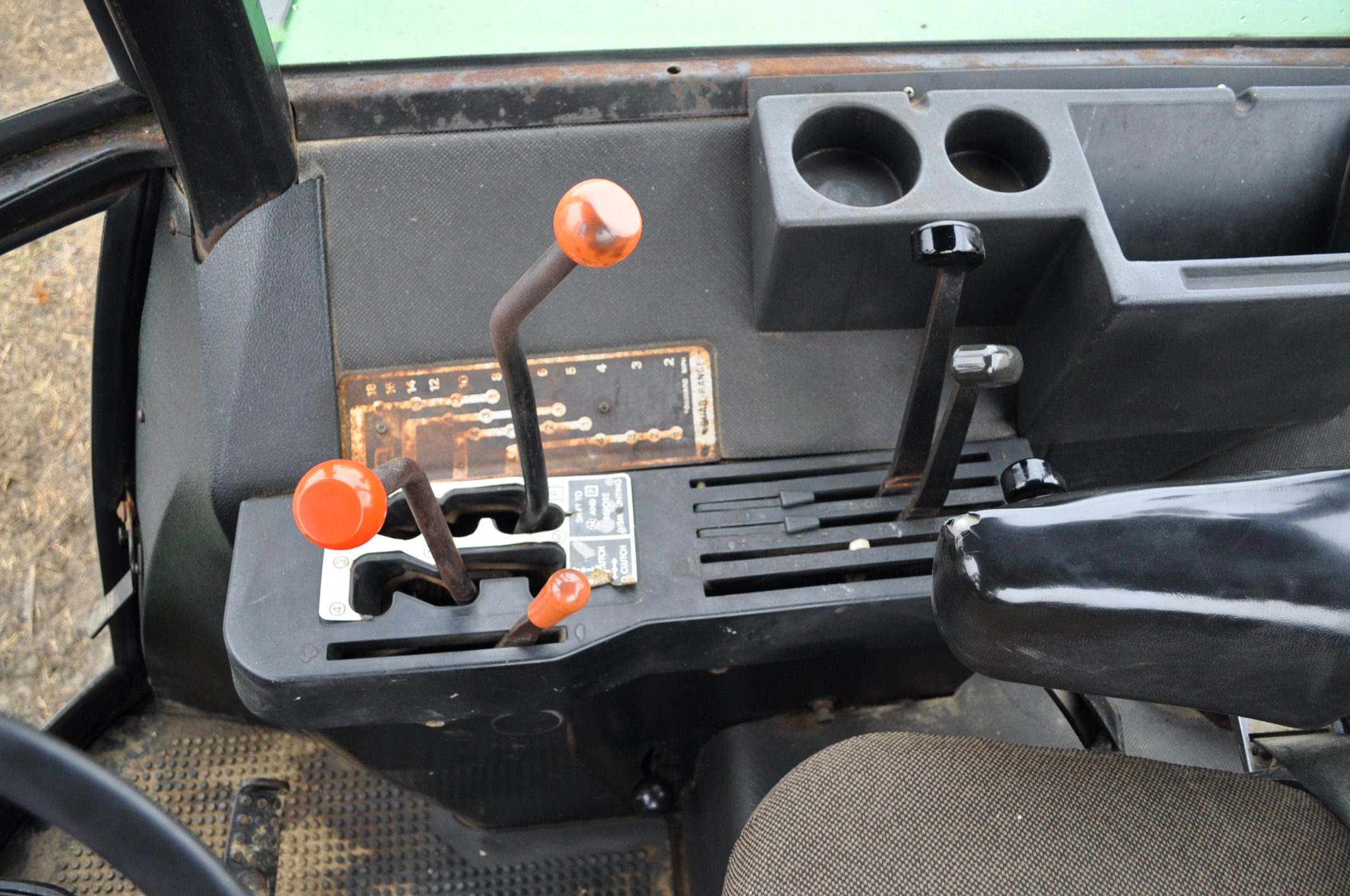 John Deere 4630 tractor, diesel, 20.8-38 hub duals, 14L-16 front, CHA, Quad range, 2 hyd remotes, - Image 18 of 22