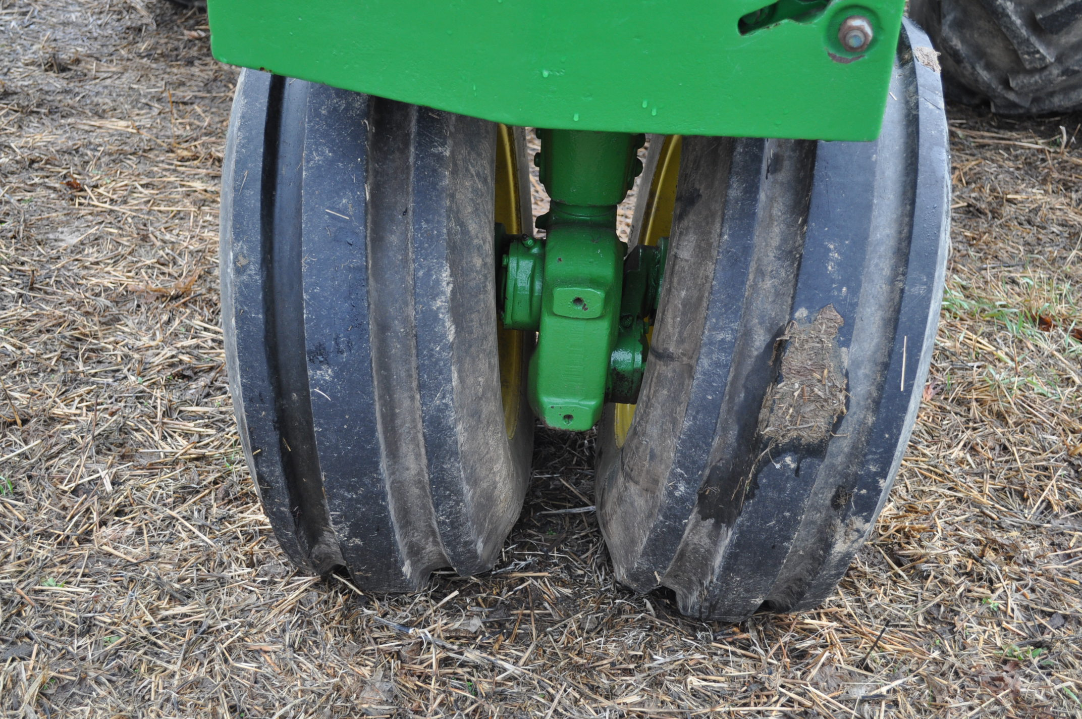 John Deere 3020 tractor, diesel, 18.4-34 rear, clamp on duals, 11L-15 narrow front, Syncro, 2 - Image 8 of 15