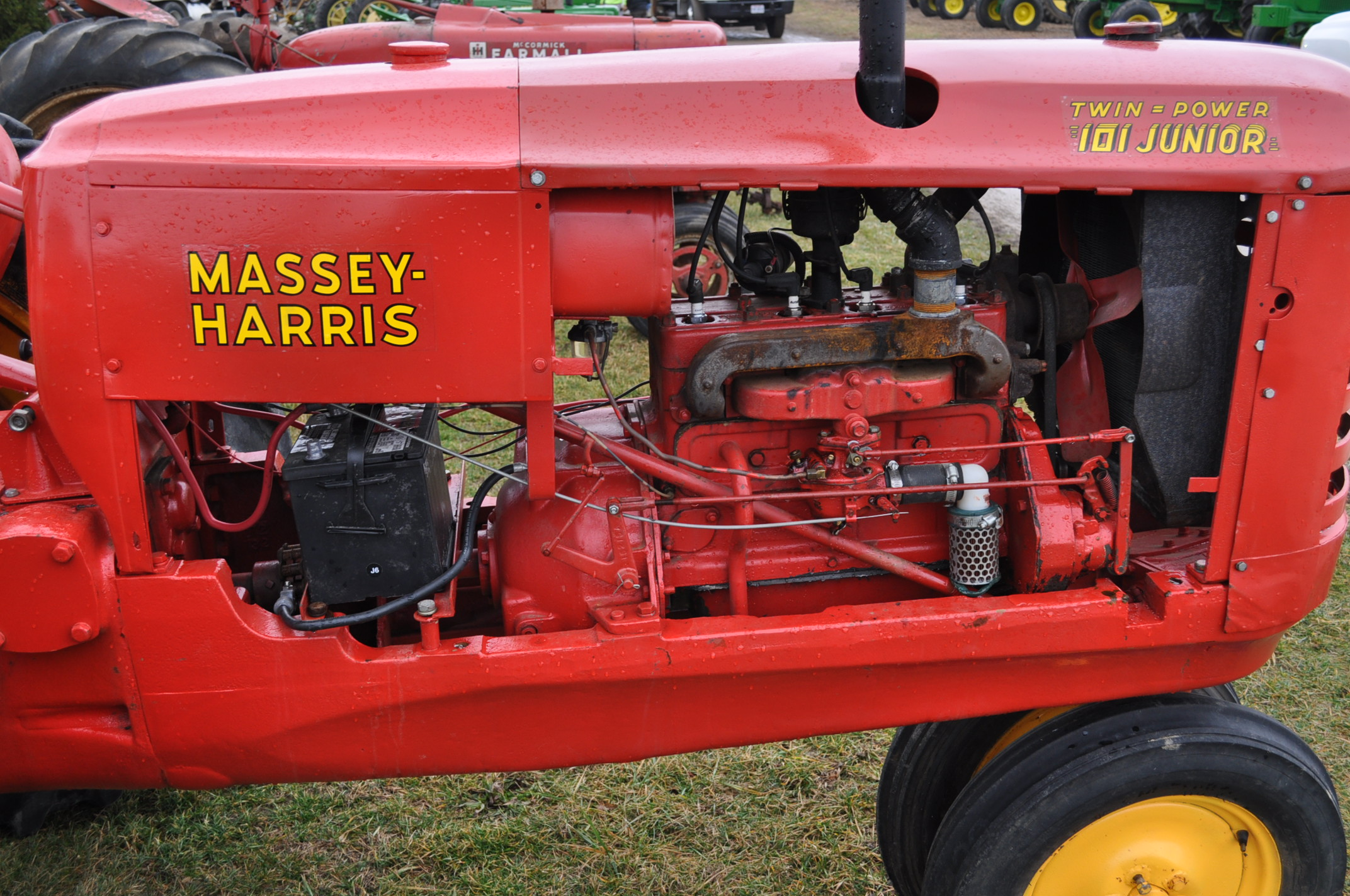 Massey Harris 101 Junior tractor, 12-38 tires, narrow front, 540 pto, SN 501605 - Image 8 of 12