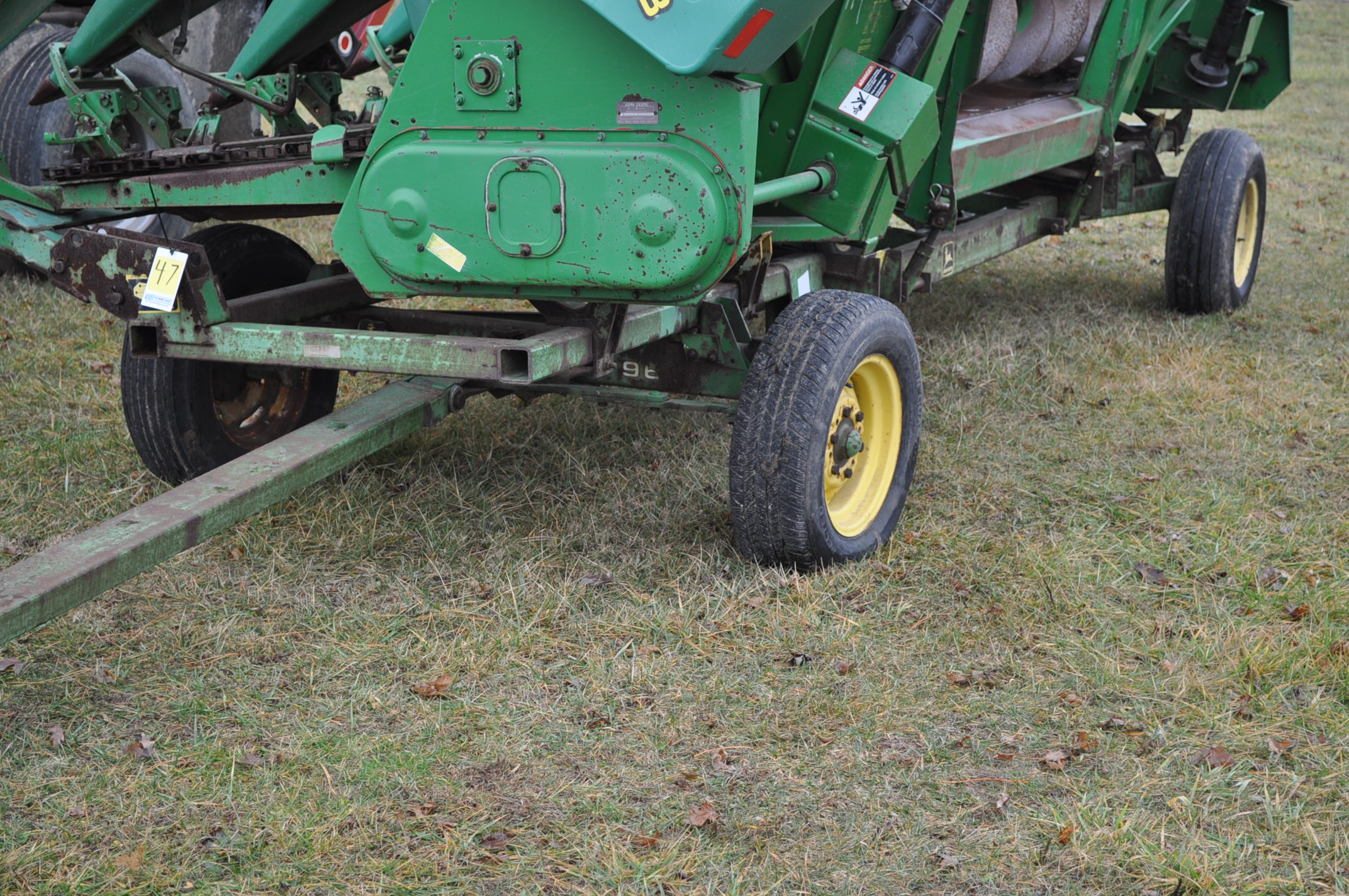 20' John Deere header wagon, 9.5 L-15 tires