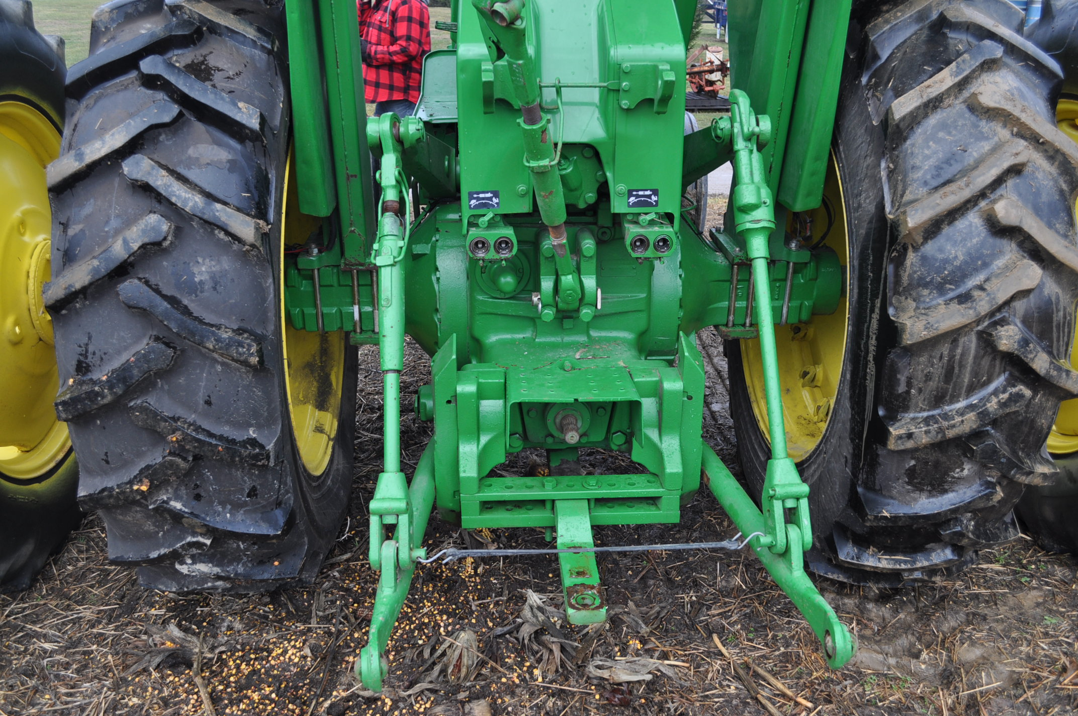 John Deere 4520 tractor, ***4520 frame with 4620 engine**** diesel, 18.4-38 new inside rear - Image 11 of 17