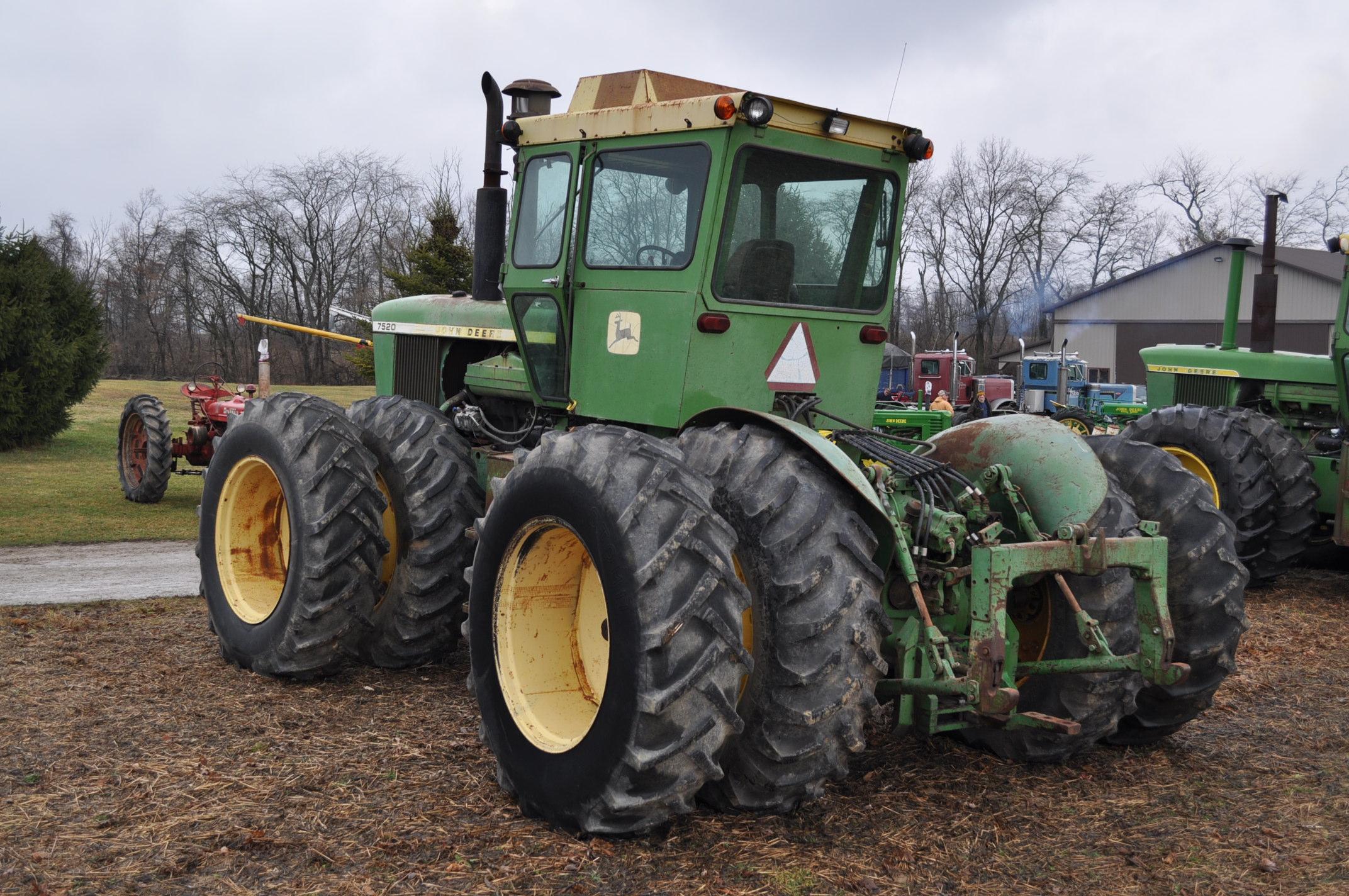 John Deere 7520 tractor, 4WD, diesel, 18.4-34 duals, original fenders, CHA, cab interior kit, 3 - Image 2 of 24