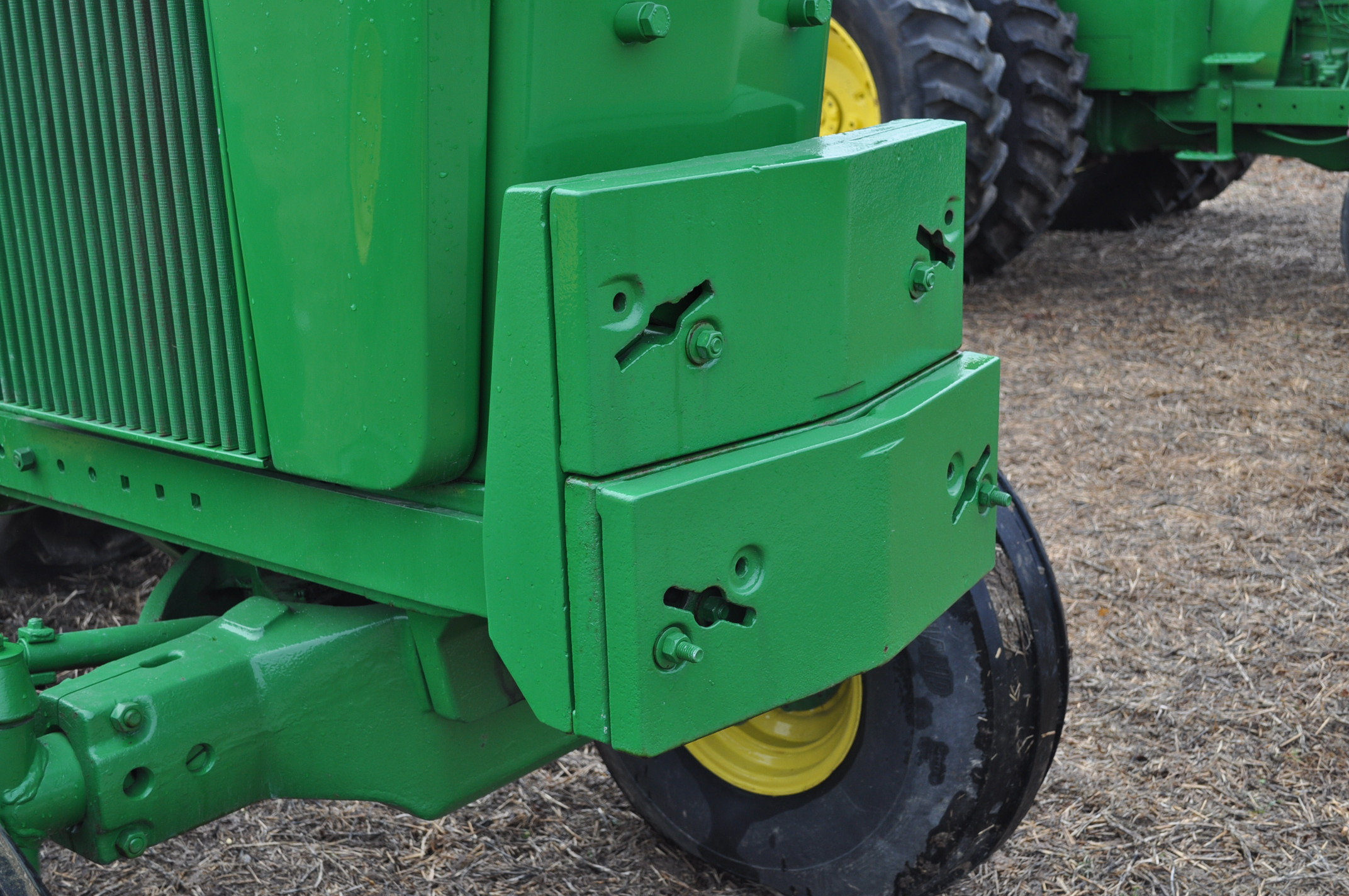 John Deere 4520 tractor, ***4520 frame with 4620 engine**** diesel, 18.4-38 new inside rear - Image 13 of 17